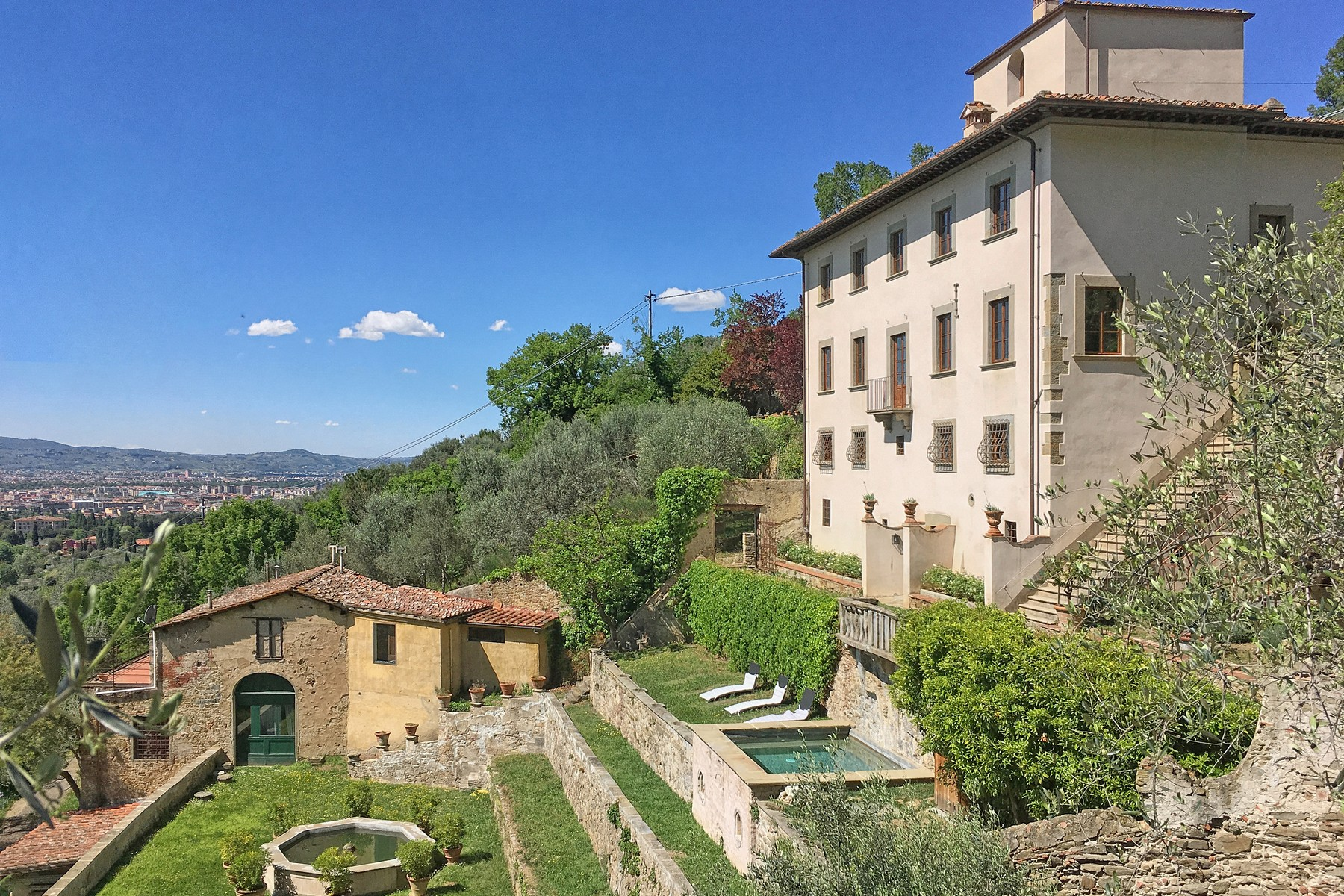 Villa in Vendita a Firenze via della concezione