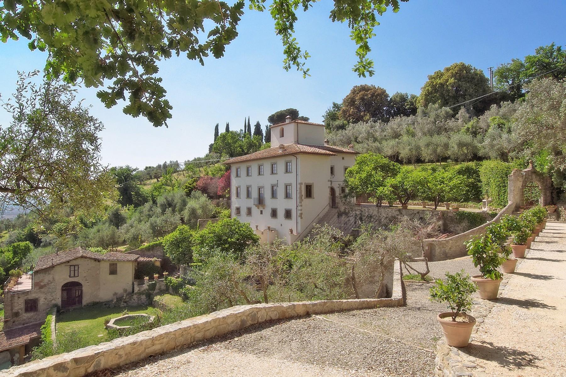 Villa in Vendita a Firenze: 5 locali, 618 mq - Foto 2