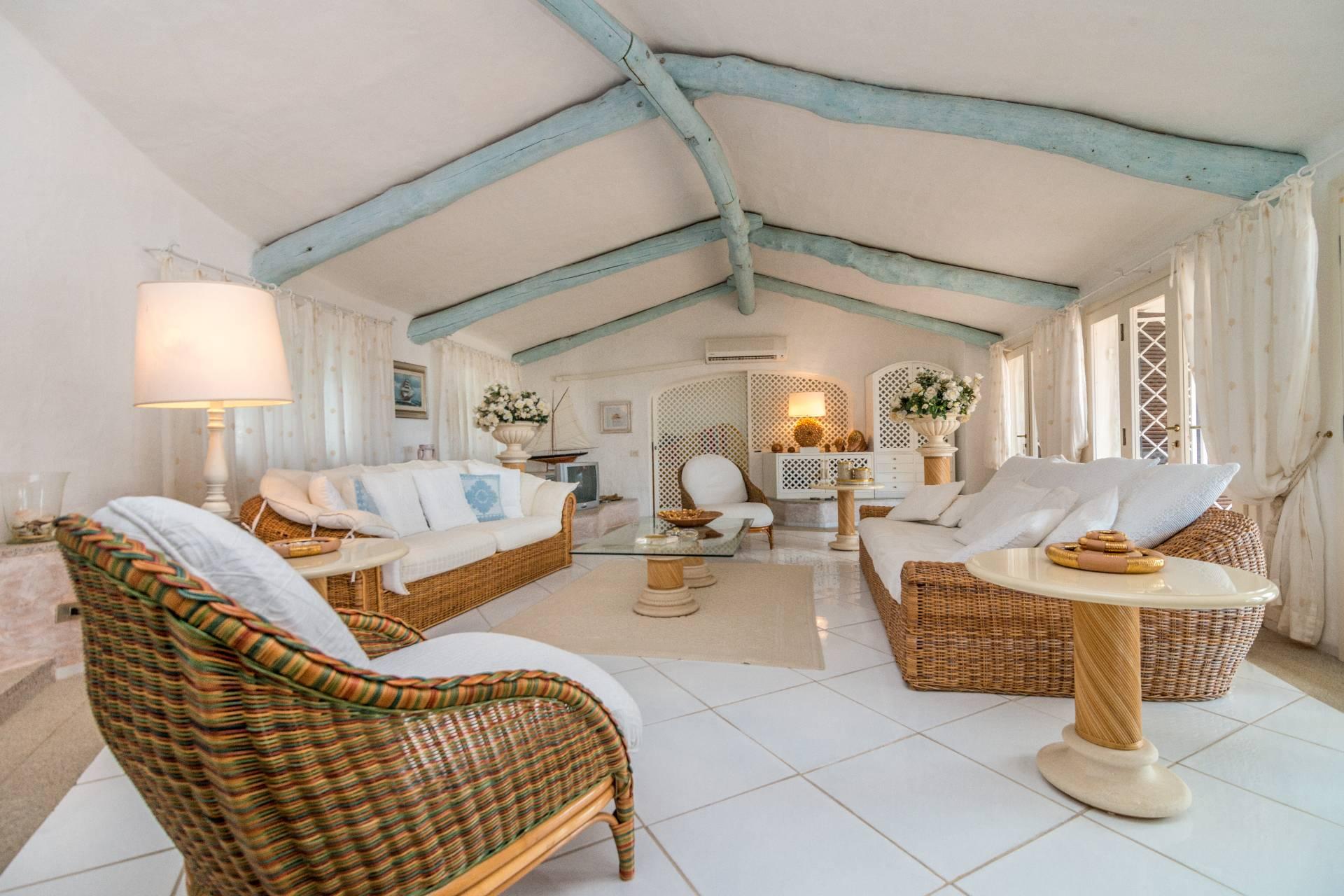 Villa in Vendita a Arzachena: 5 locali, 300 mq - Foto 5