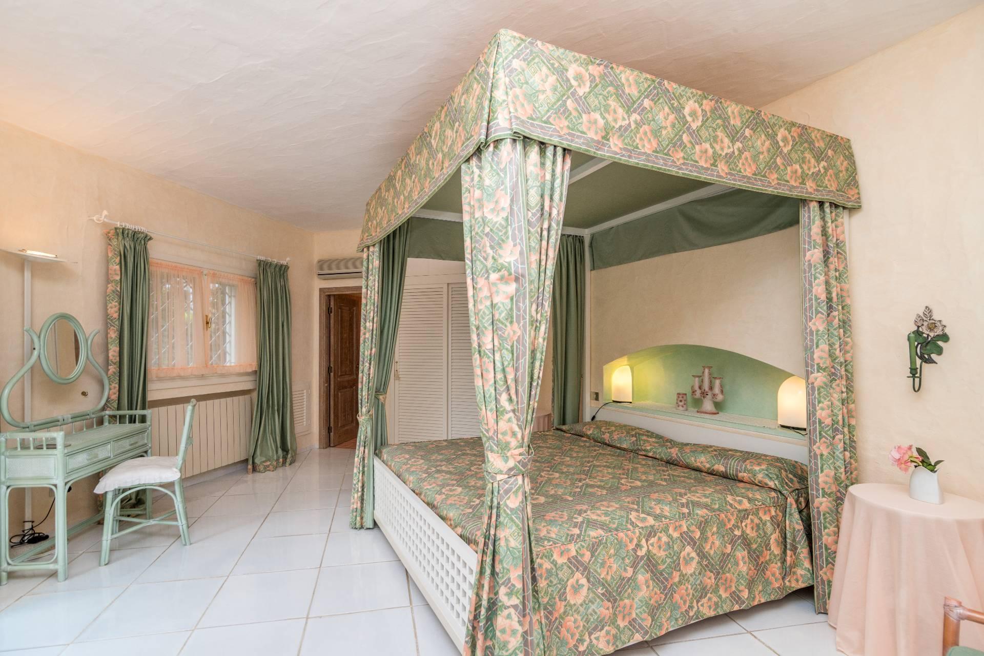 Villa in Vendita a Arzachena: 5 locali, 300 mq - Foto 9