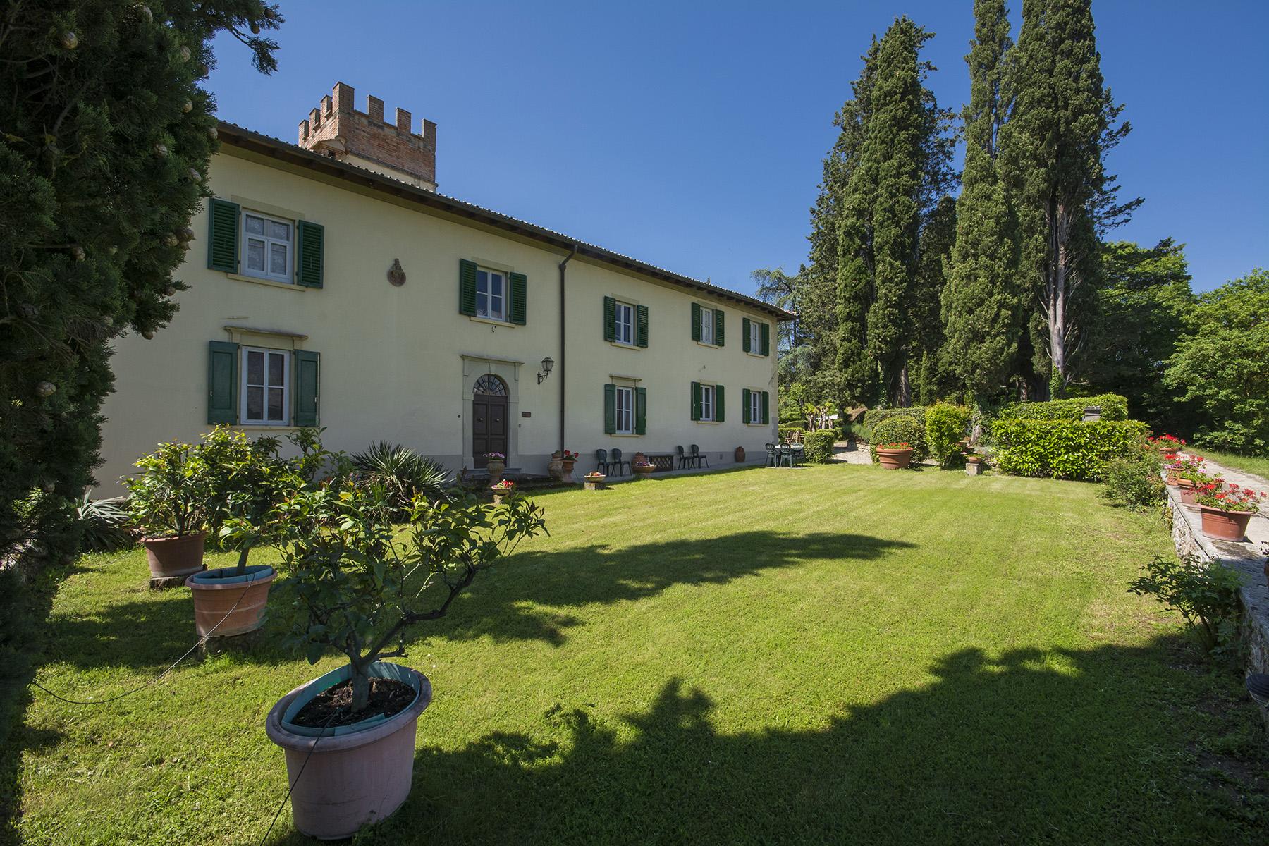 Villa in Vendita a Borgo San Lorenzo: 5 locali, 750 mq