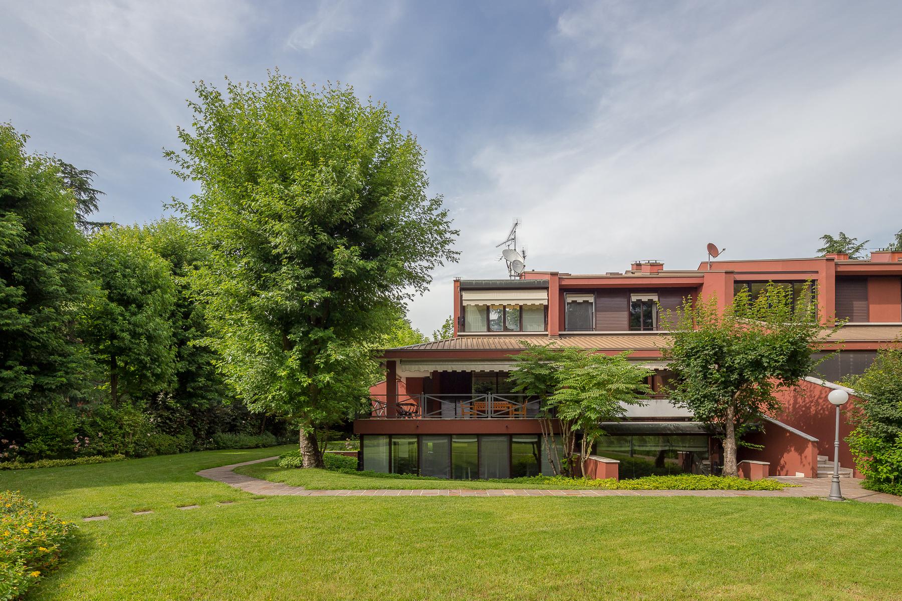 Villa in Vendita a Basiglio via dei longobardi