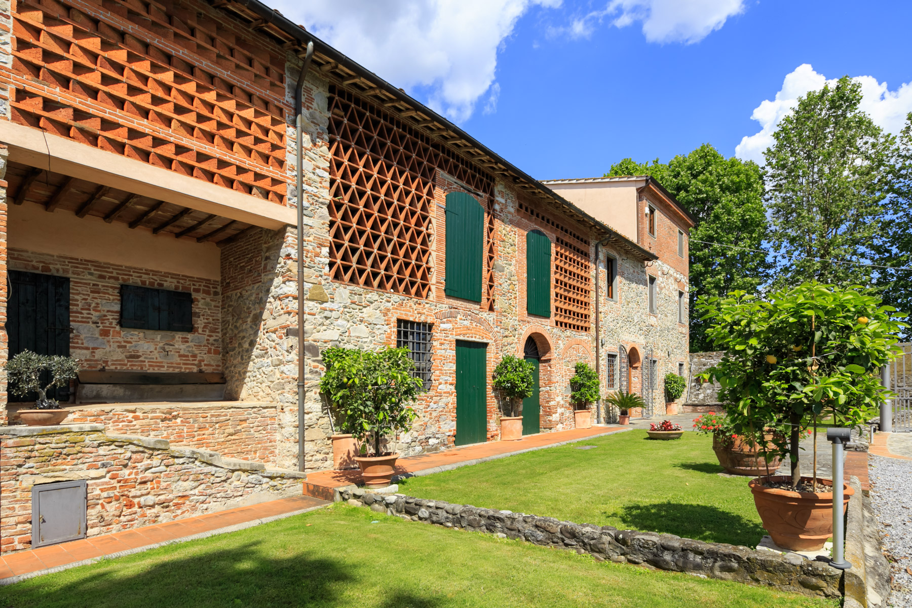 Rustico in Vendita a Lucca: 5 locali, 700 mq - Foto 3
