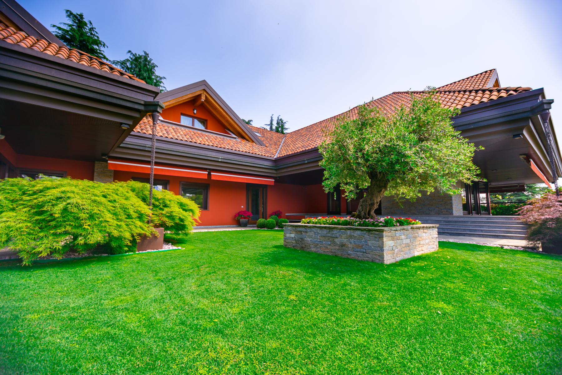 Villa in Vendita a Vergiate: 5 locali, 735 mq