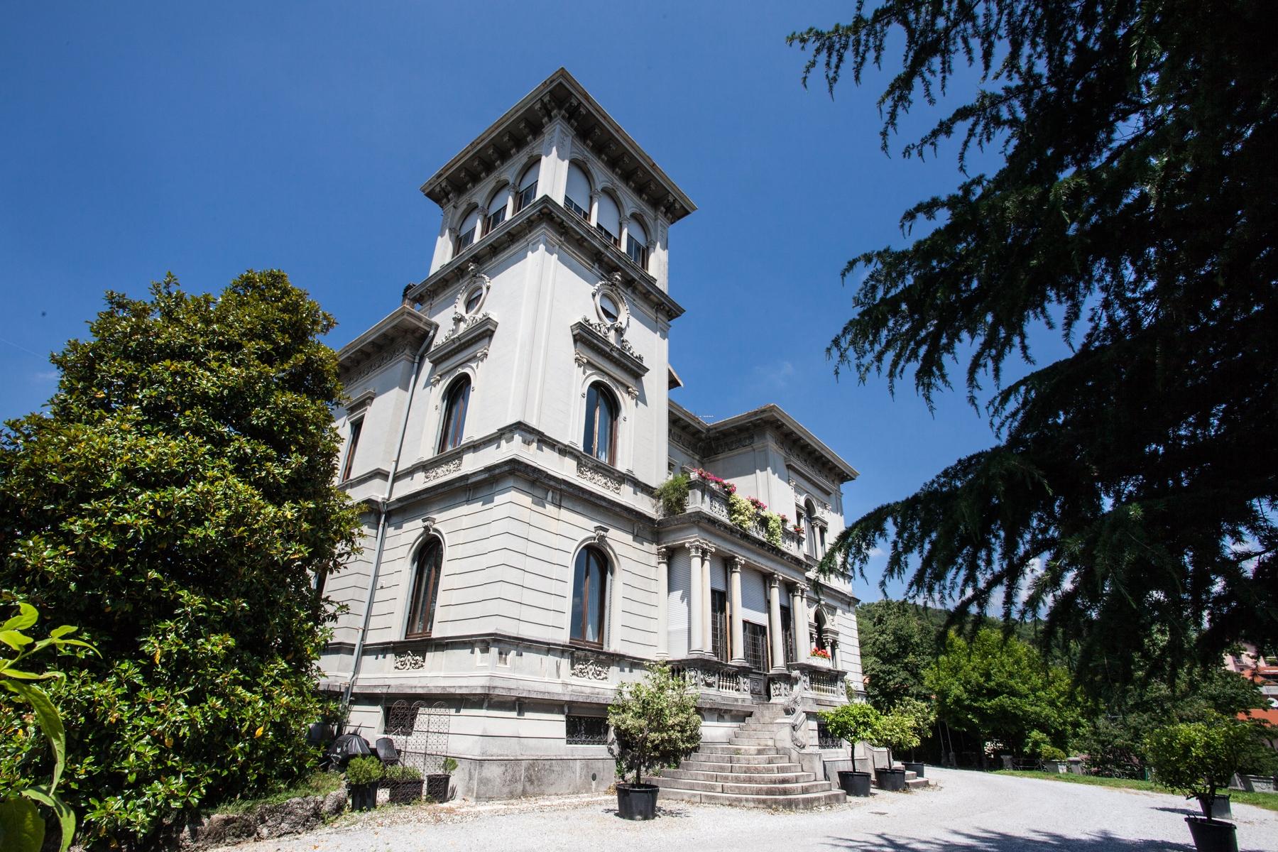 Villa in Vendita a San Fermo Della Battaglia via armando diaz