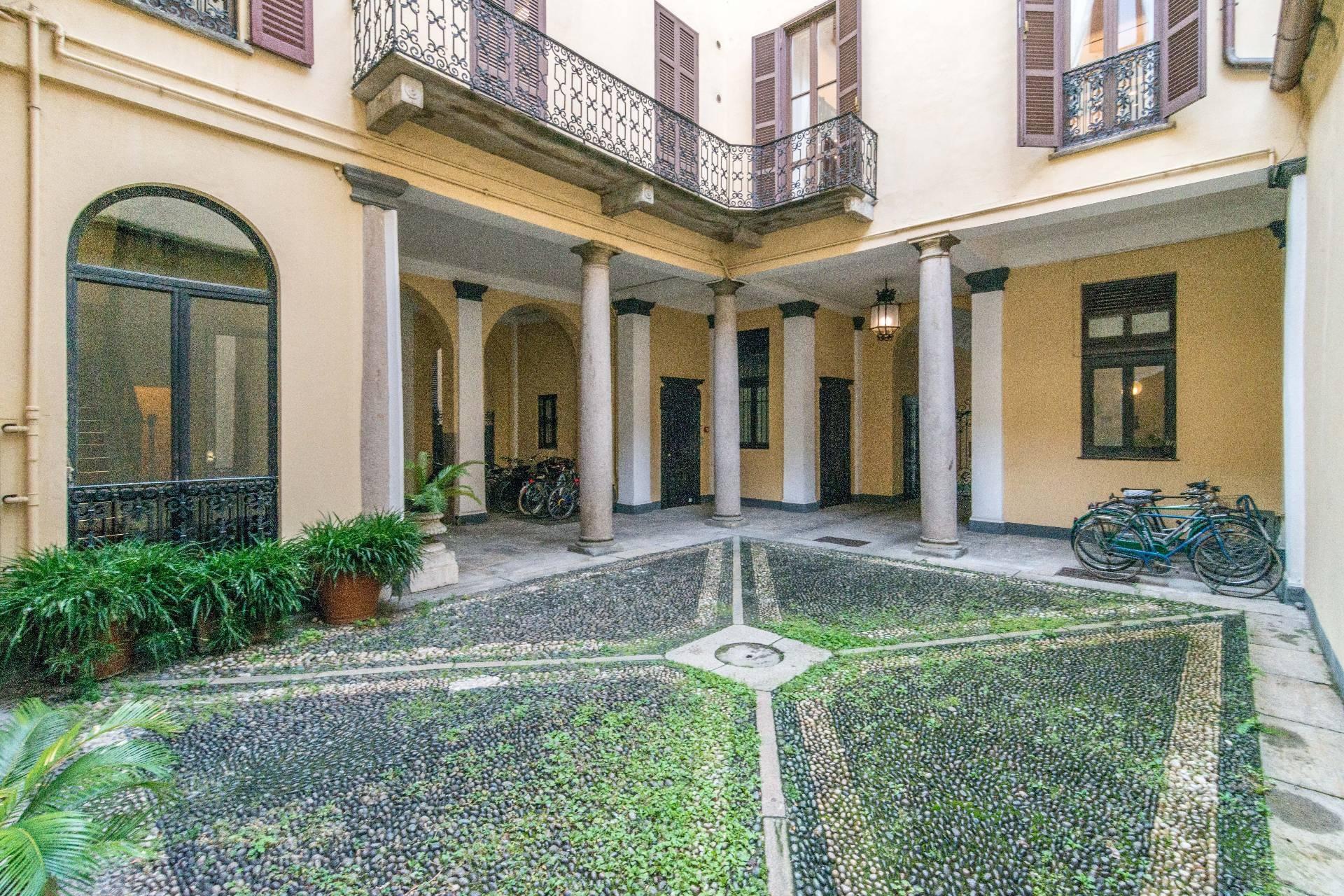 Appartamento in Affitto a Milano: 5 locali, 213 mq - Foto 2