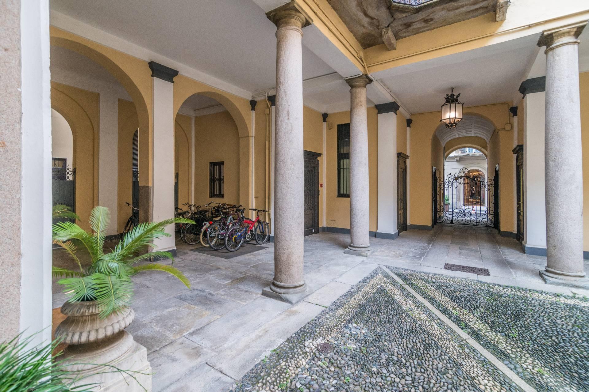 Appartamento in Affitto a Milano: 5 locali, 213 mq - Foto 4
