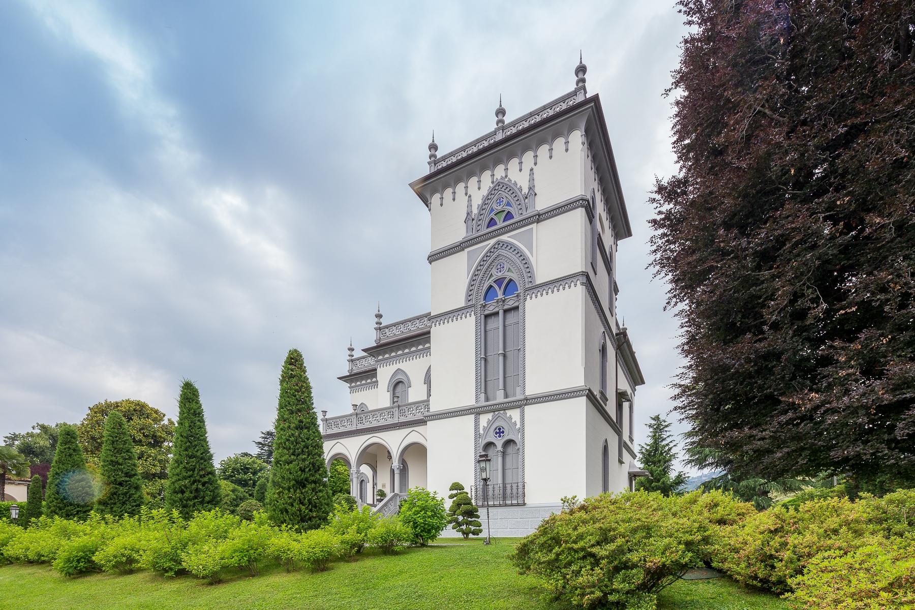 Villa in Vendita a Lesa: 5 locali, 1180 mq - Foto 2