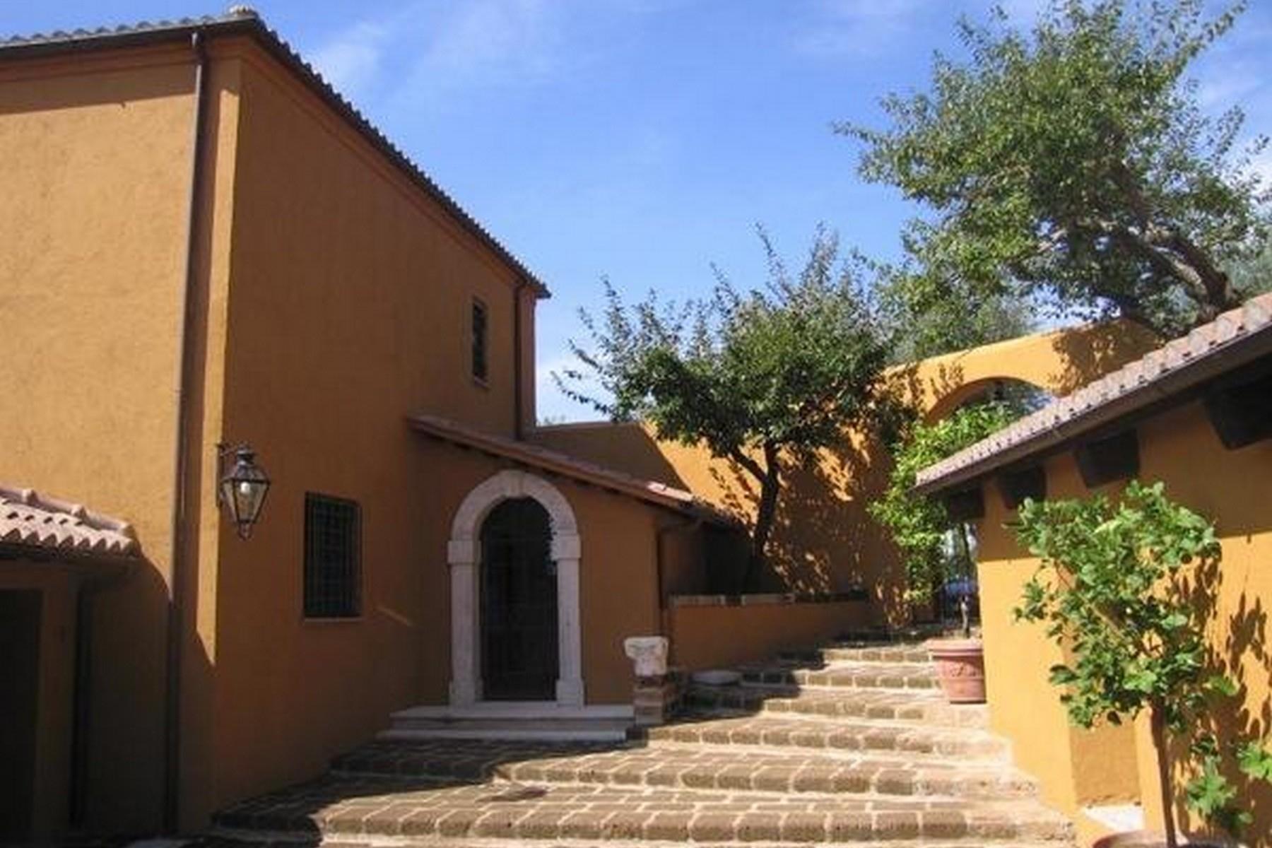 Villa in Vendita a Otricoli: 5 locali, 770 mq - Foto 3
