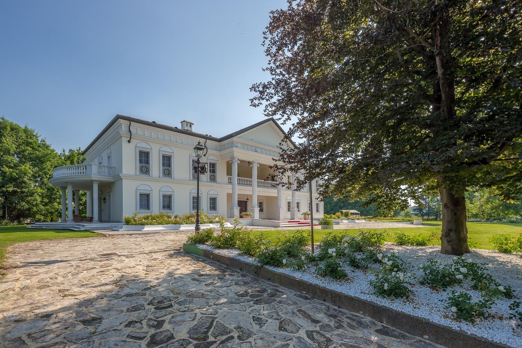 Villa in Vendita a Robbio: 5 locali, 1300 mq - Foto 4