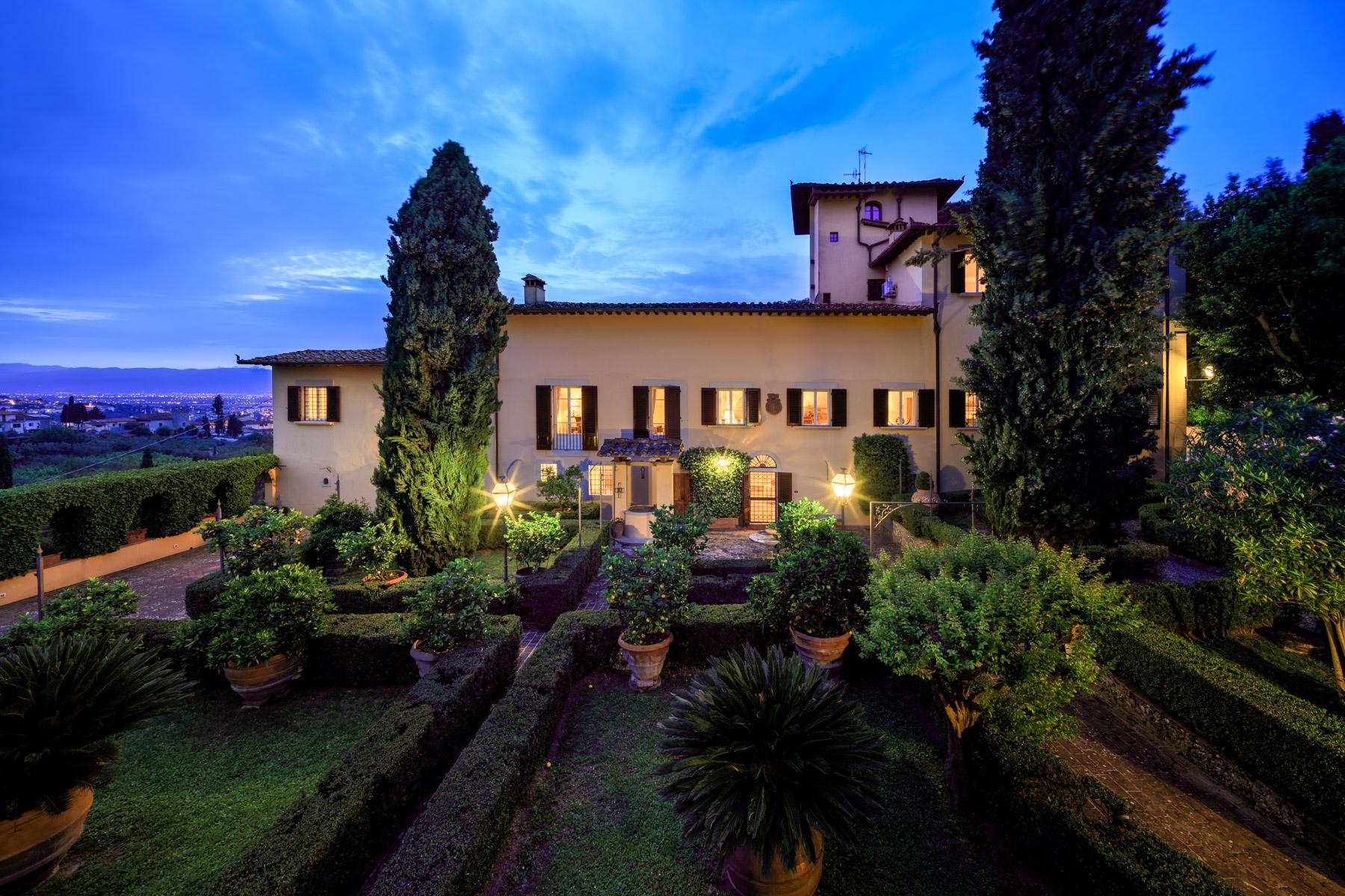 Villa in Vendita a Lastra A Signa: 5 locali, 1750 mq - Foto 1