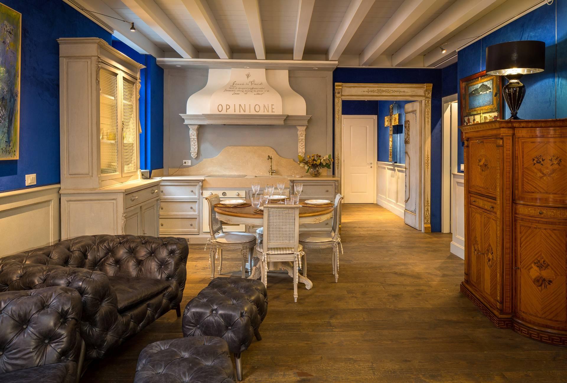 Appartamento in Vendita a Desenzano Del Garda via castello