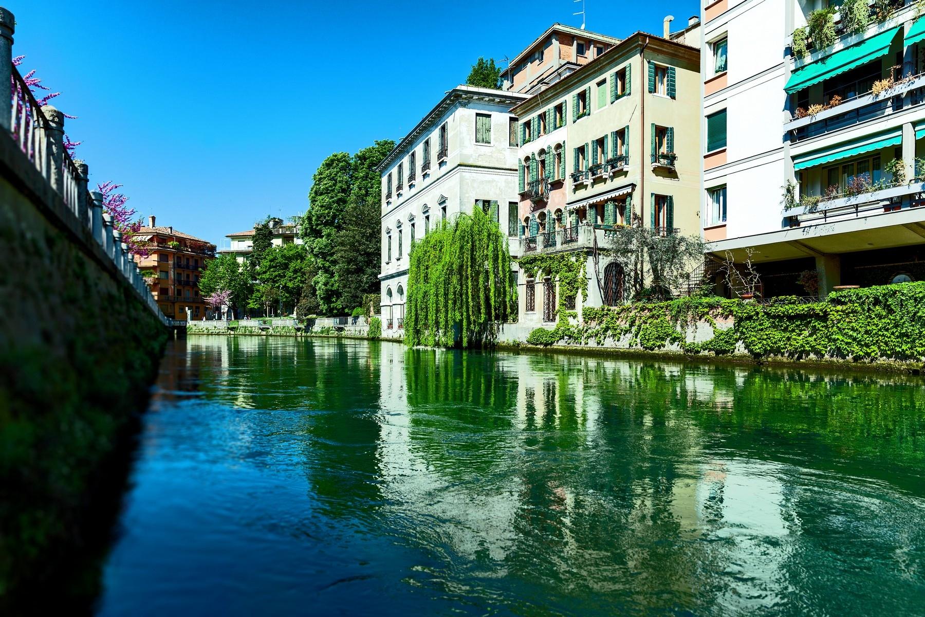 Palazzo in Vendita a Treviso Centro: 5 locali, 600 mq