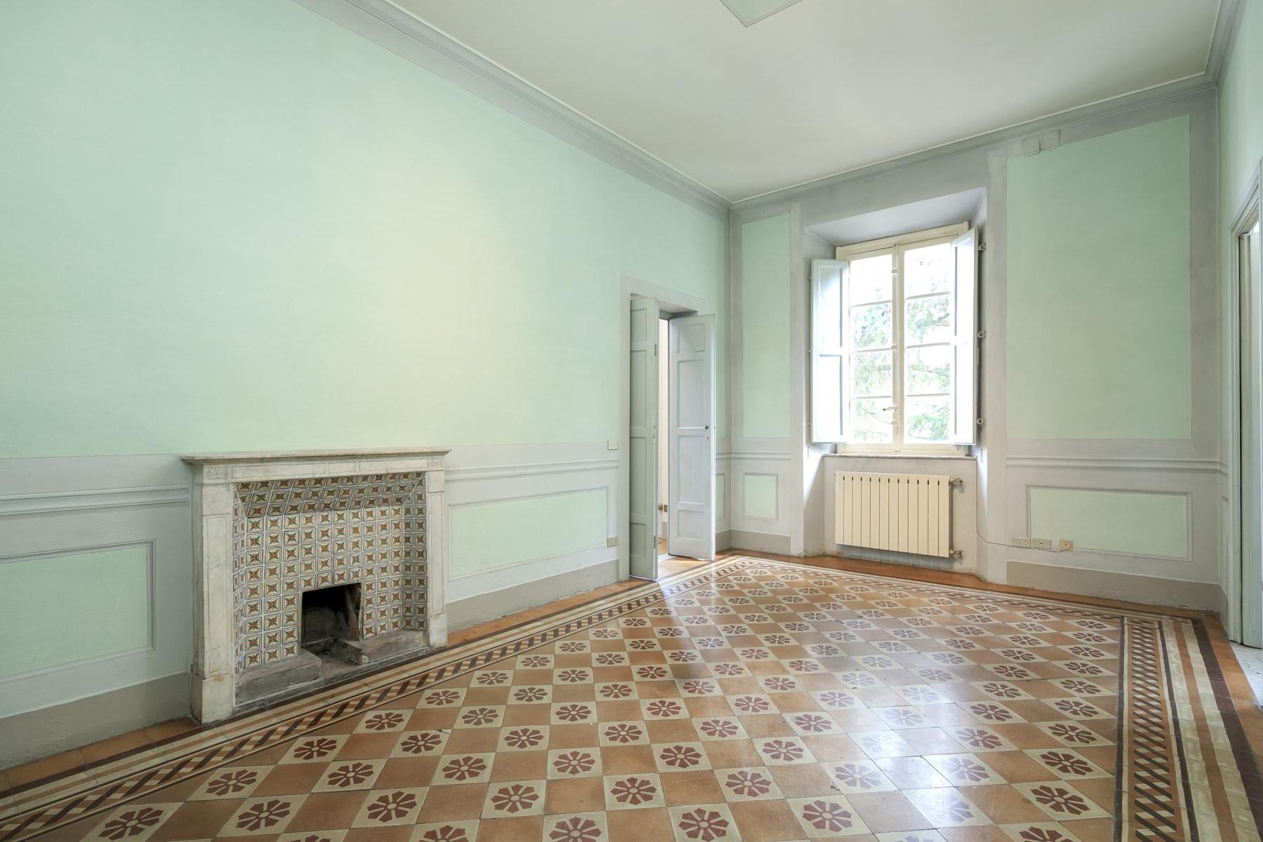 Appartamento in Vendita a Lucca: 5 locali, 251 mq - Foto 1