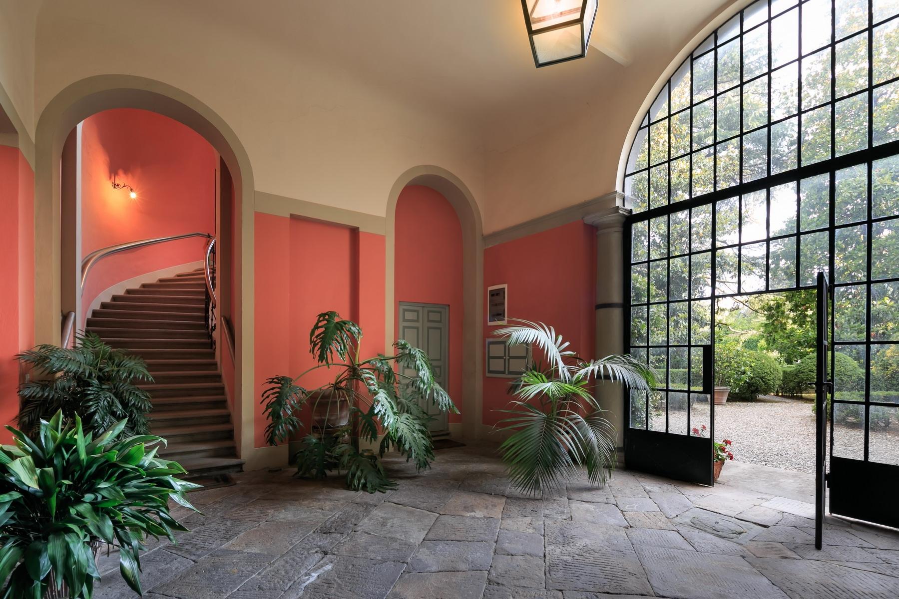 Appartamento in Vendita a Lucca Centro: 5 locali, 251 mq