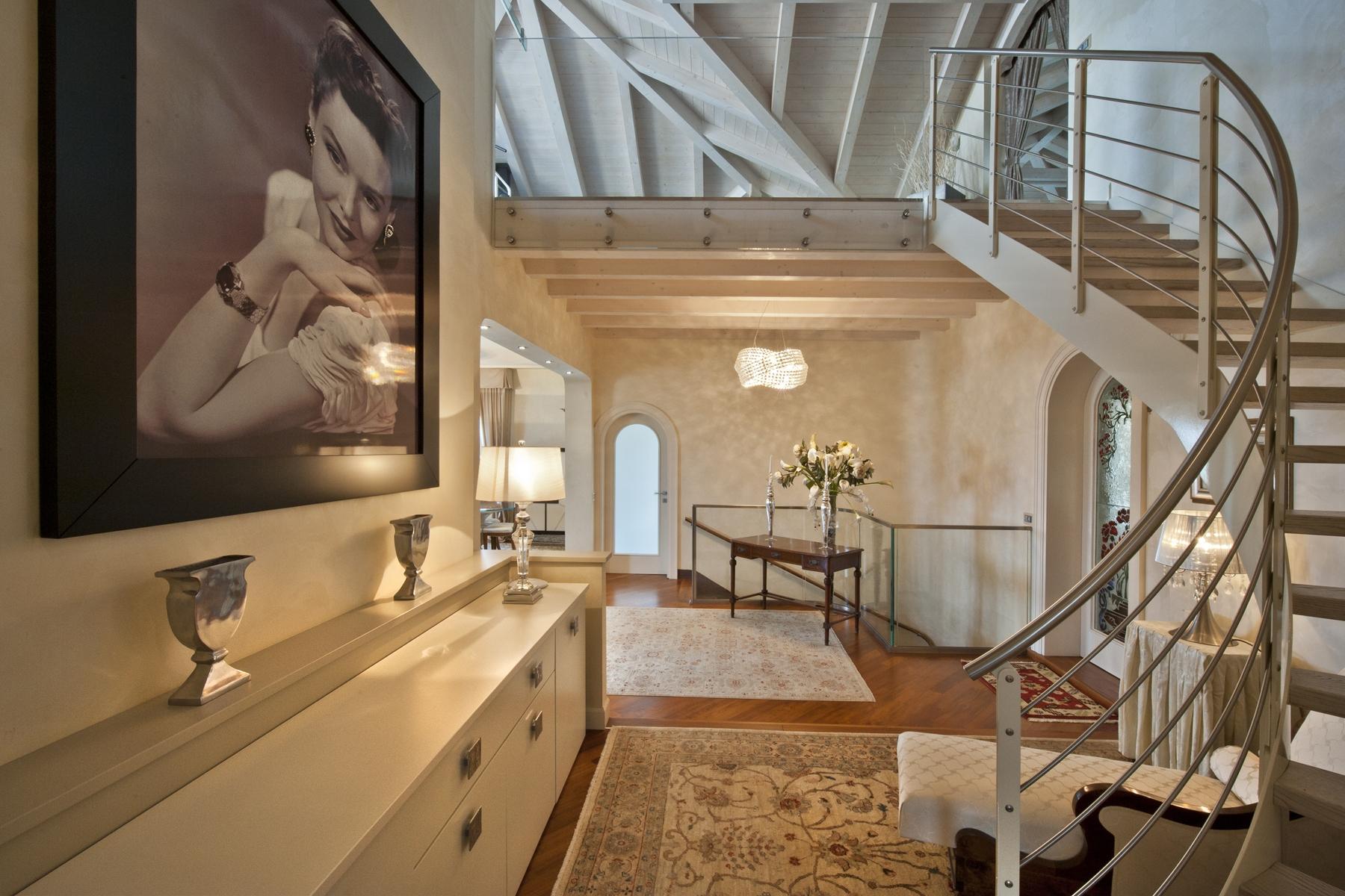 Villa in Vendita a Desenzano Del Garda via viale ettore andreis