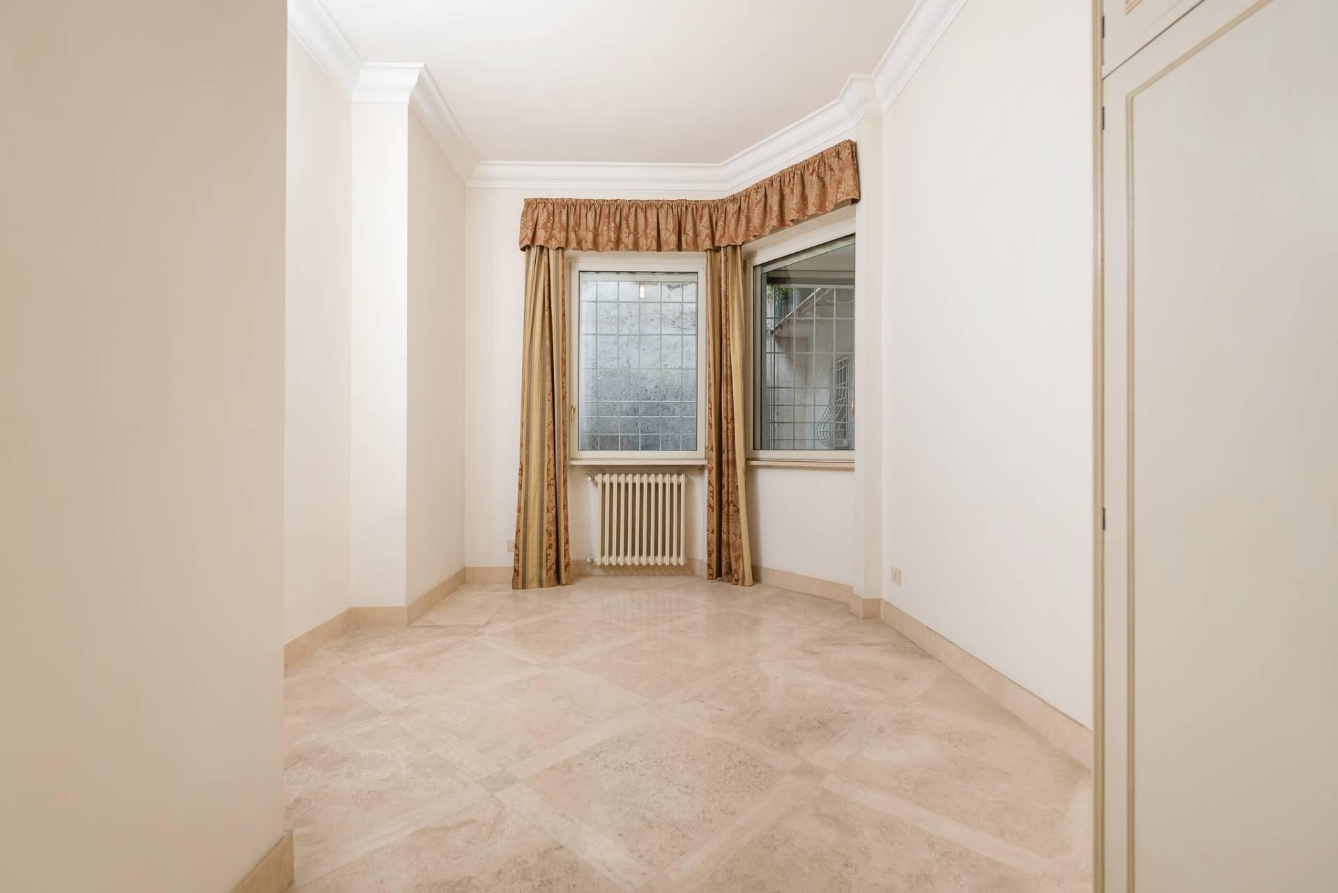 Appartamento in Vendita a Roma: 5 locali, 300 mq - Foto 19