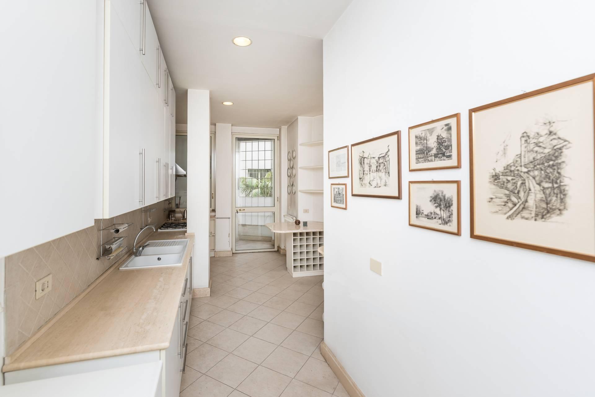 Appartamento in Vendita a Roma: 5 locali, 300 mq - Foto 24