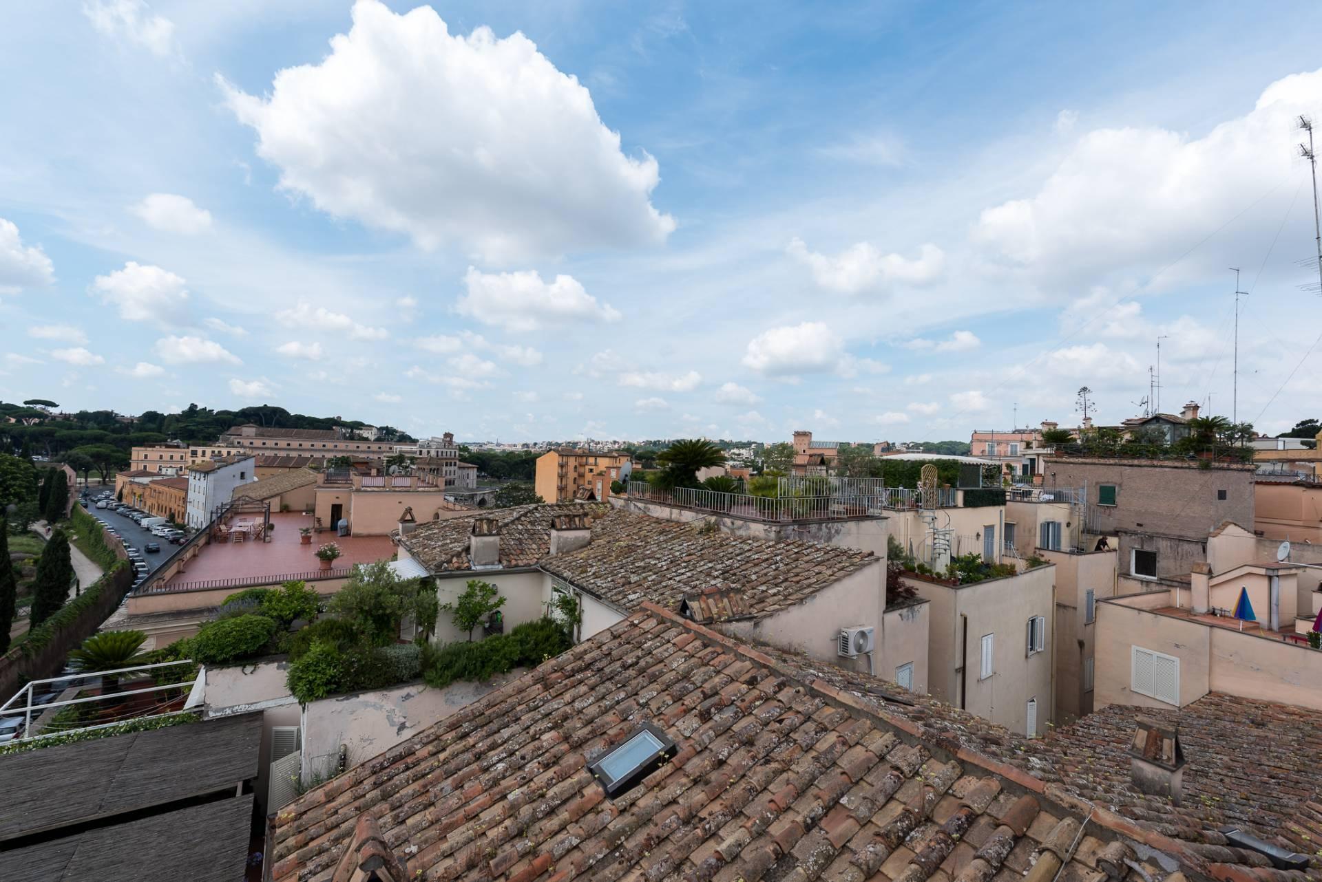 Appartamento in Vendita a Roma via di san teodoro