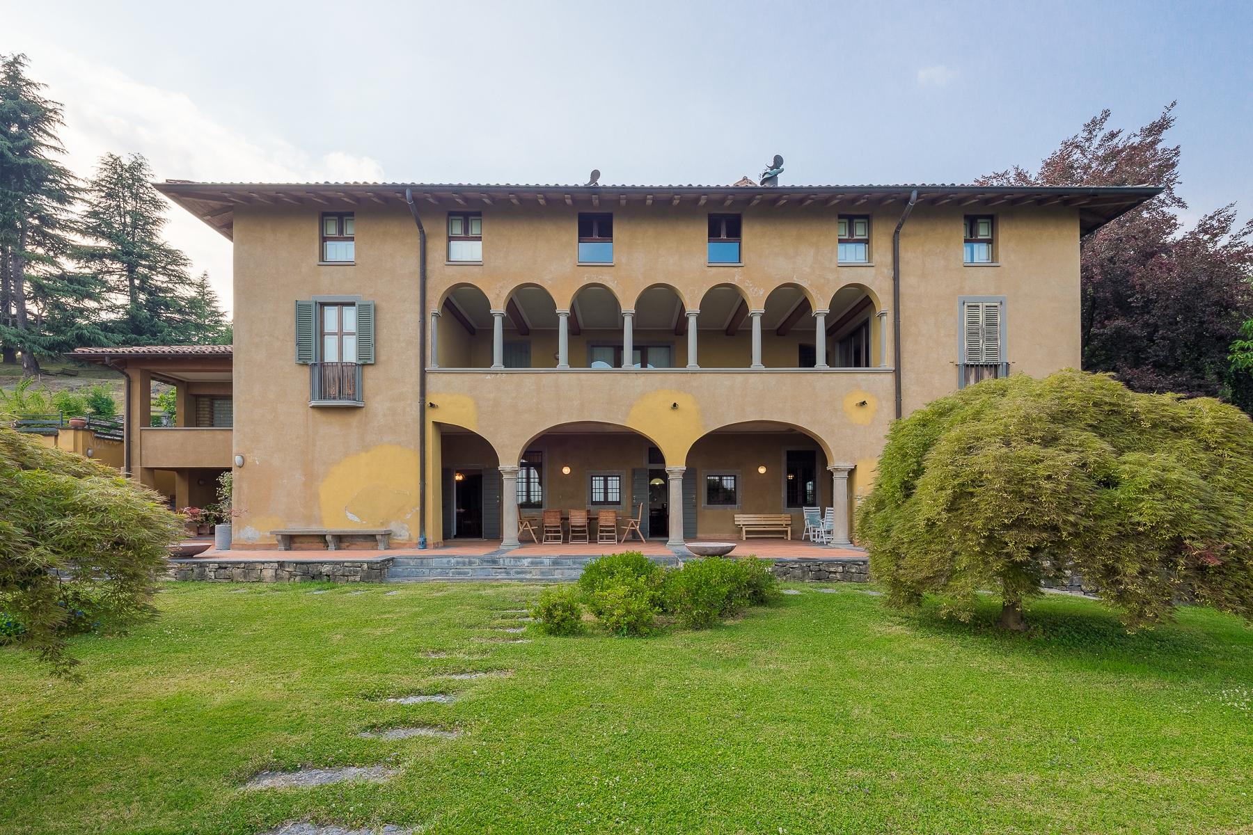 Villa in Vendita a Cenate Sotto