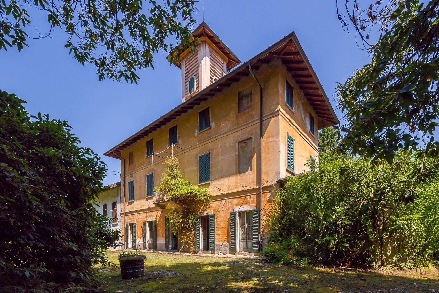 Rustico in Vendita a Castelletto Sopra Ticino: 5 locali, 1200 mq