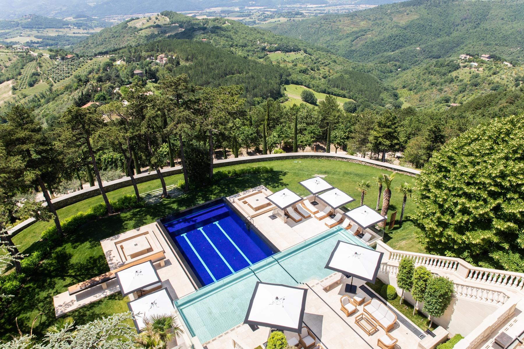 Villa in Vendita a Gubbio: 5 locali, 1200 mq - Foto 1