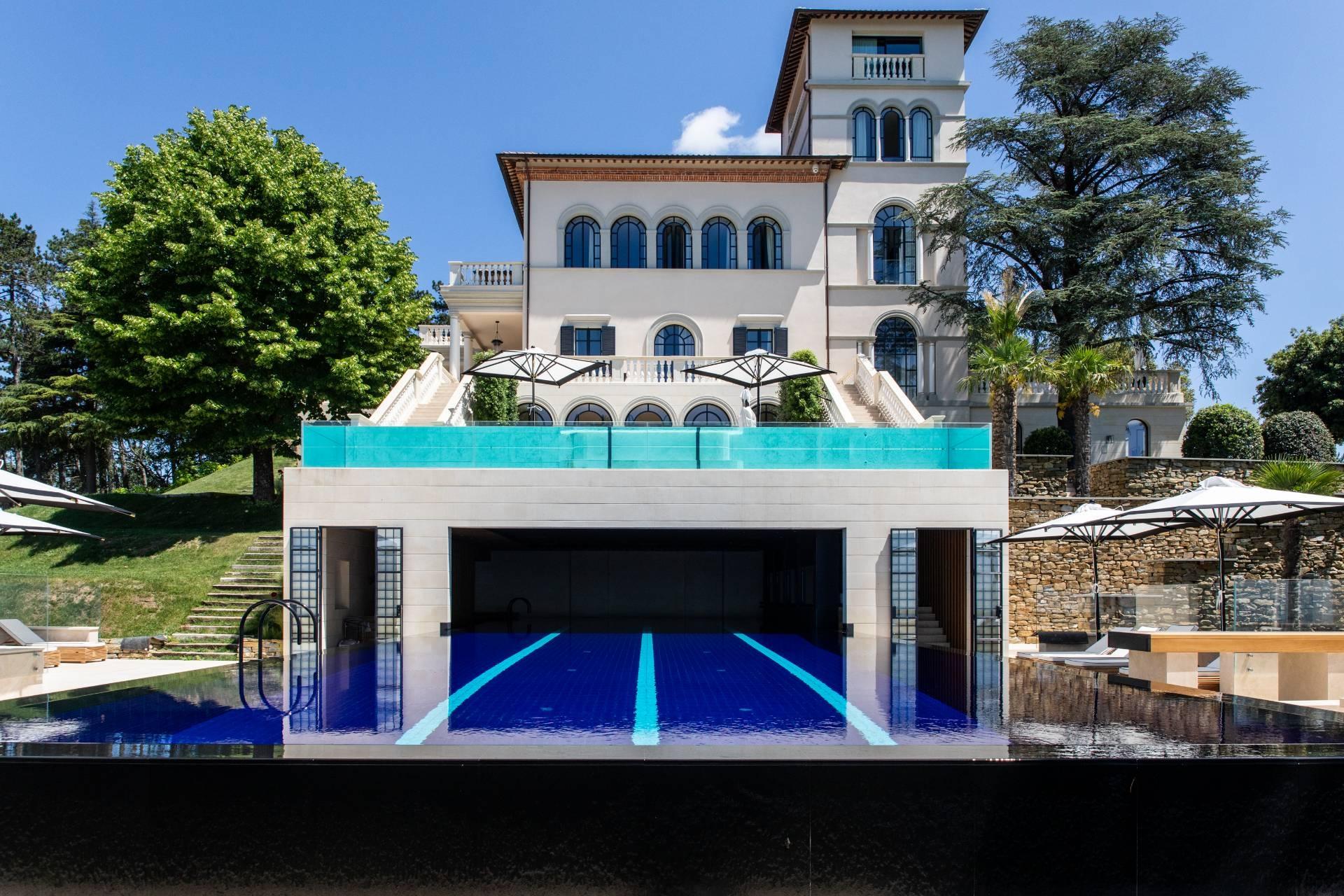 Villa in Vendita a Gubbio: 5 locali, 1200 mq