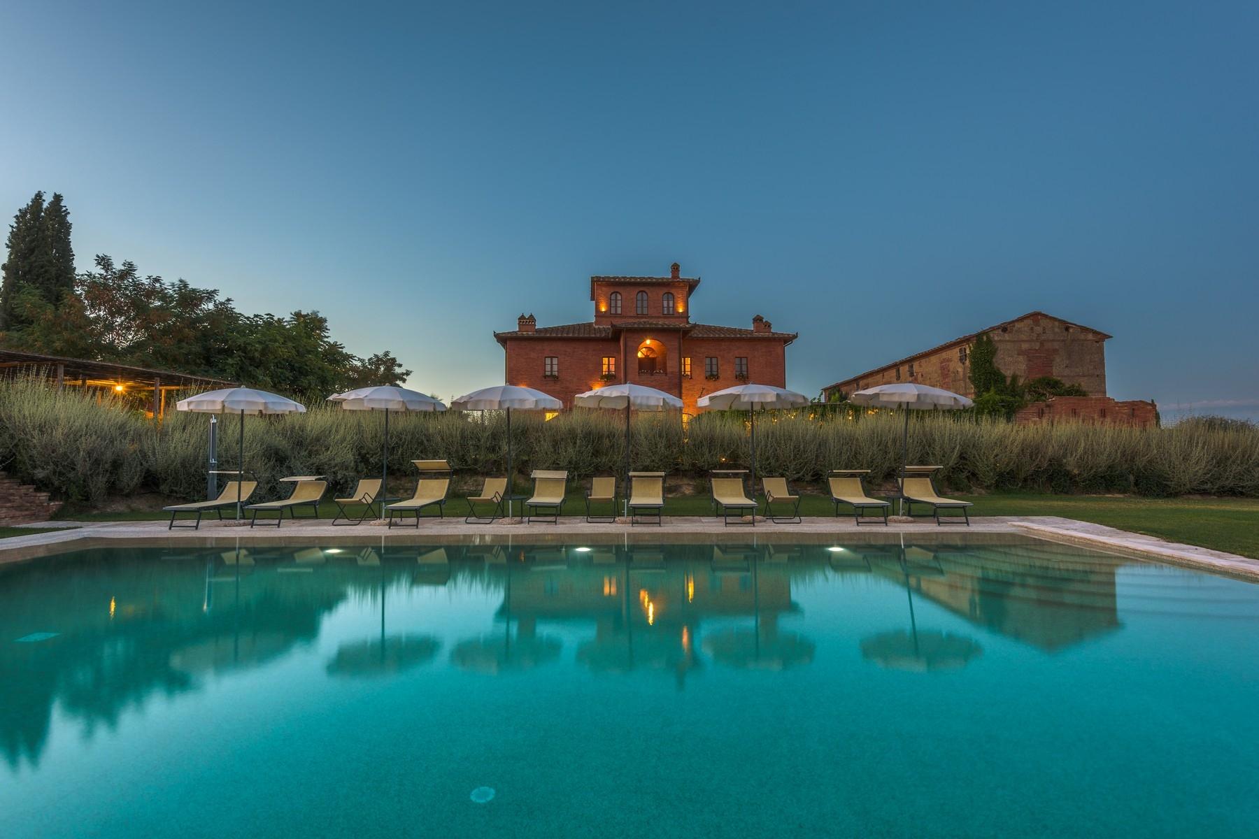 Villa in Vendita a Sinalunga: 5 locali, 1015 mq