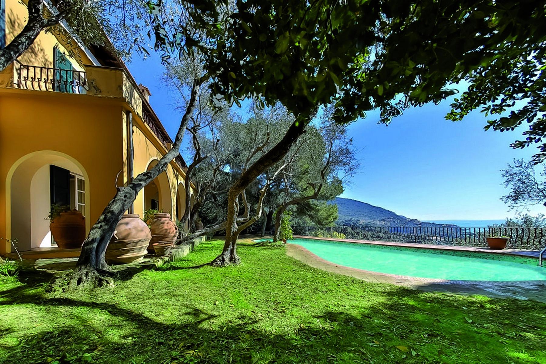 Villa in Vendita a Lerici via fiascherino
