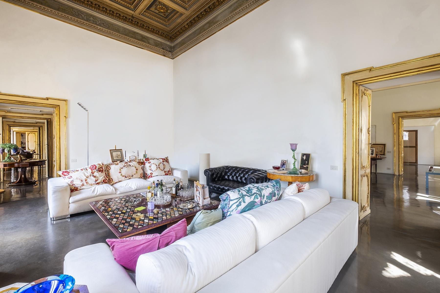 Appartamento in Vendita a Roma: 5 locali, 698 mq - Foto 2