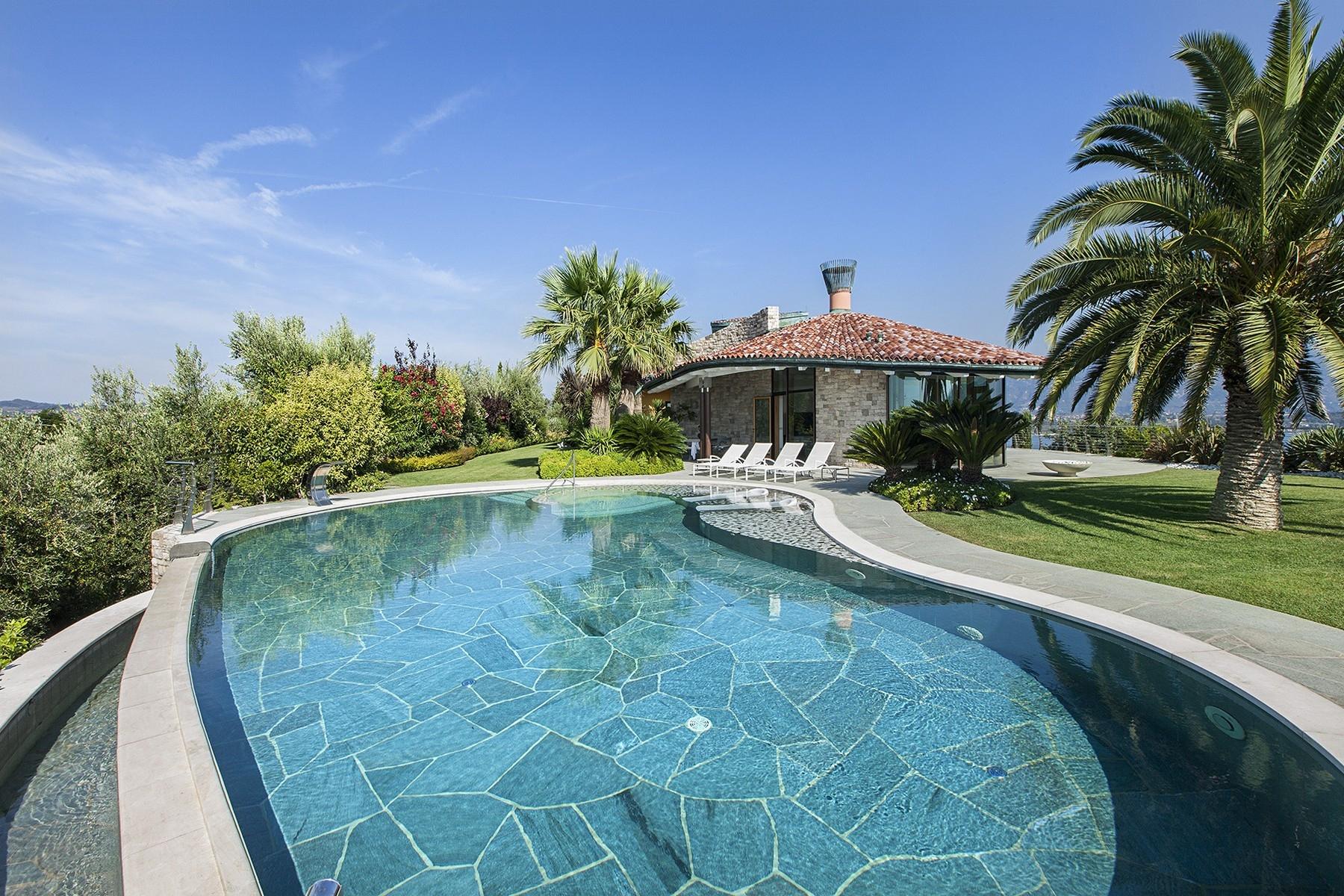 Villa in Vendita a Manerba Del Garda: 5 locali, 430 mq