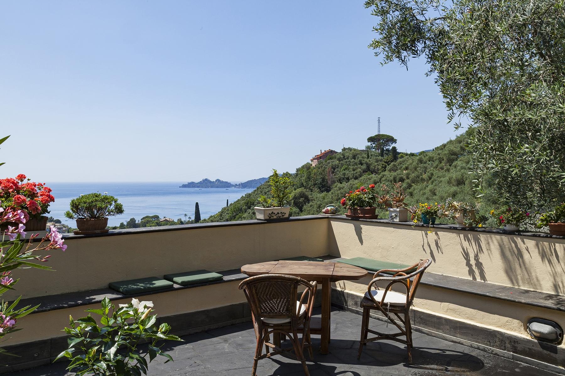 Villa in Vendita a Rapallo salita montallegro