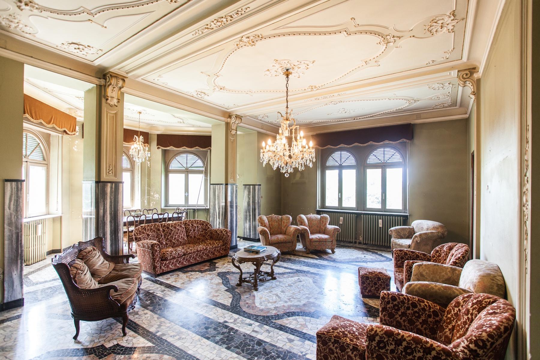 Villa in Vendita a Brunate via per como