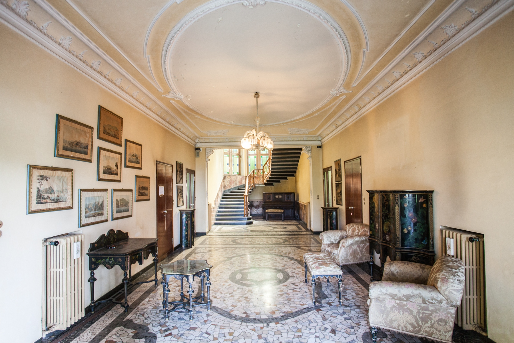 Villa in Vendita a Brunate: 5 locali, 1000 mq