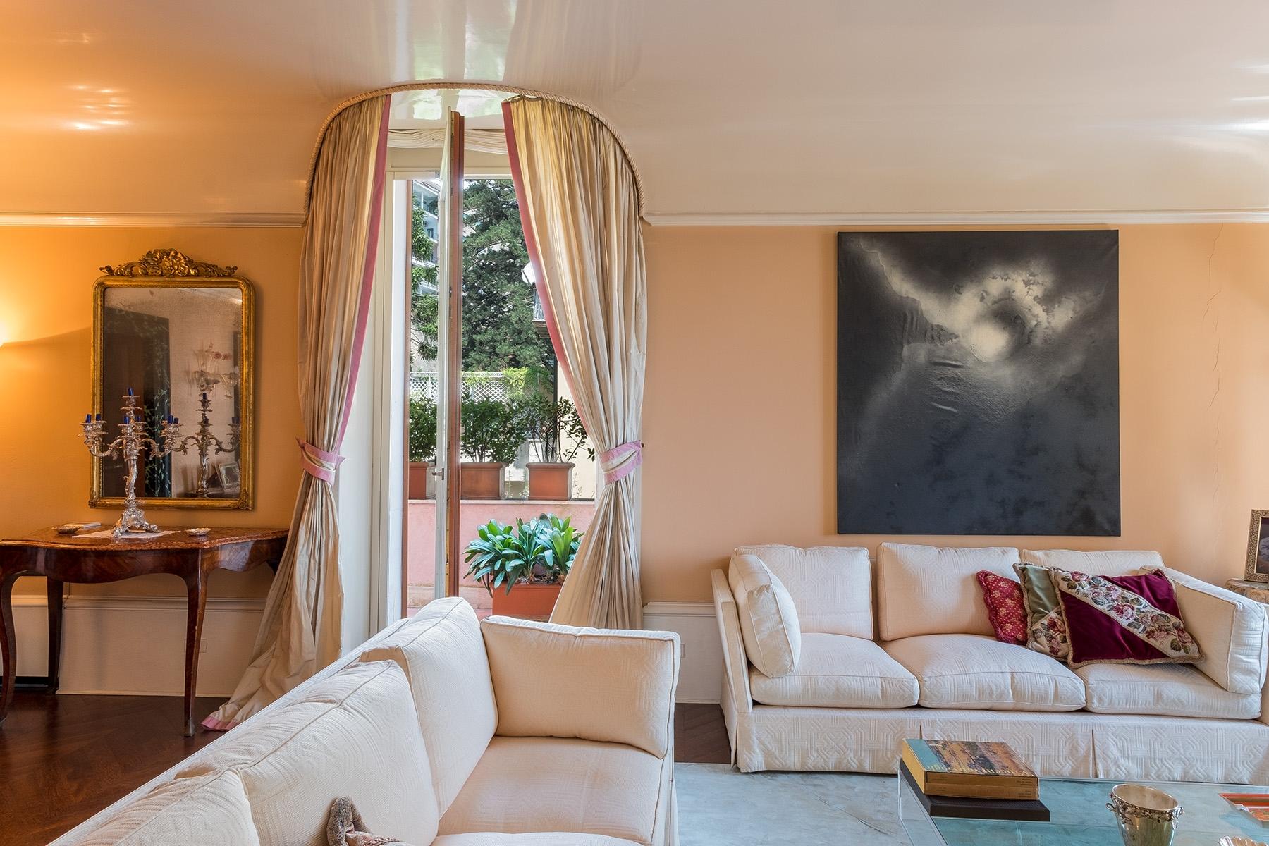 Appartamento in Vendita a Napoli: 5 locali, 400 mq - Foto 8