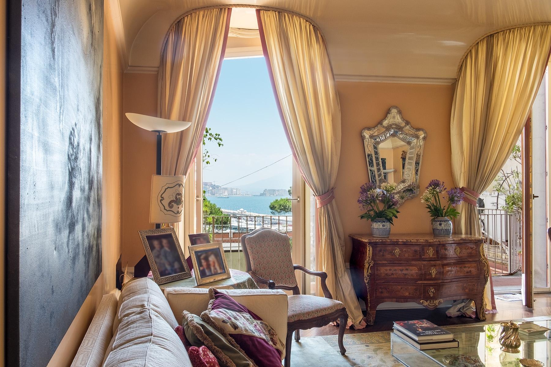 Appartamento in Vendita a Napoli via mergellina