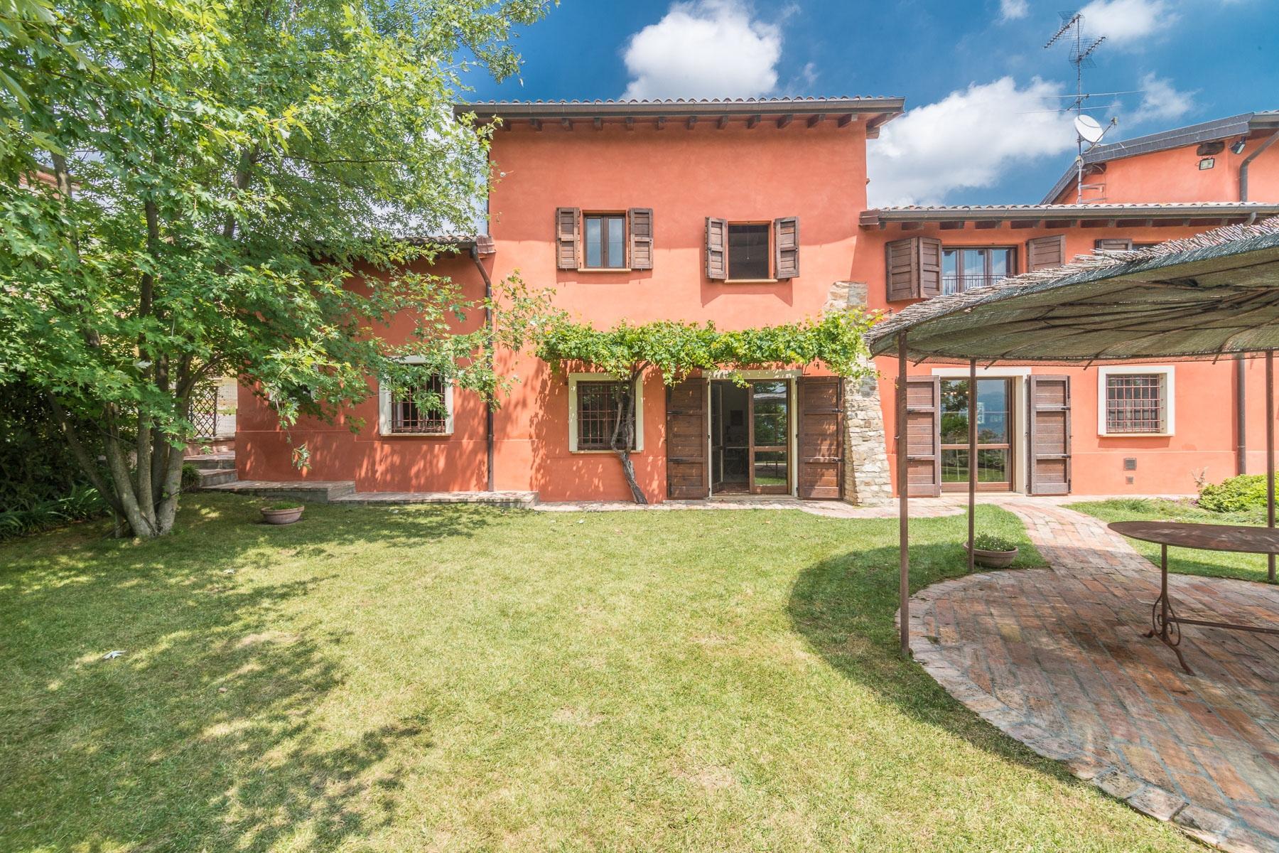 Casa indipendente in Vendita a Ziano Piacentino: 5 locali, 260 mq - Foto 1
