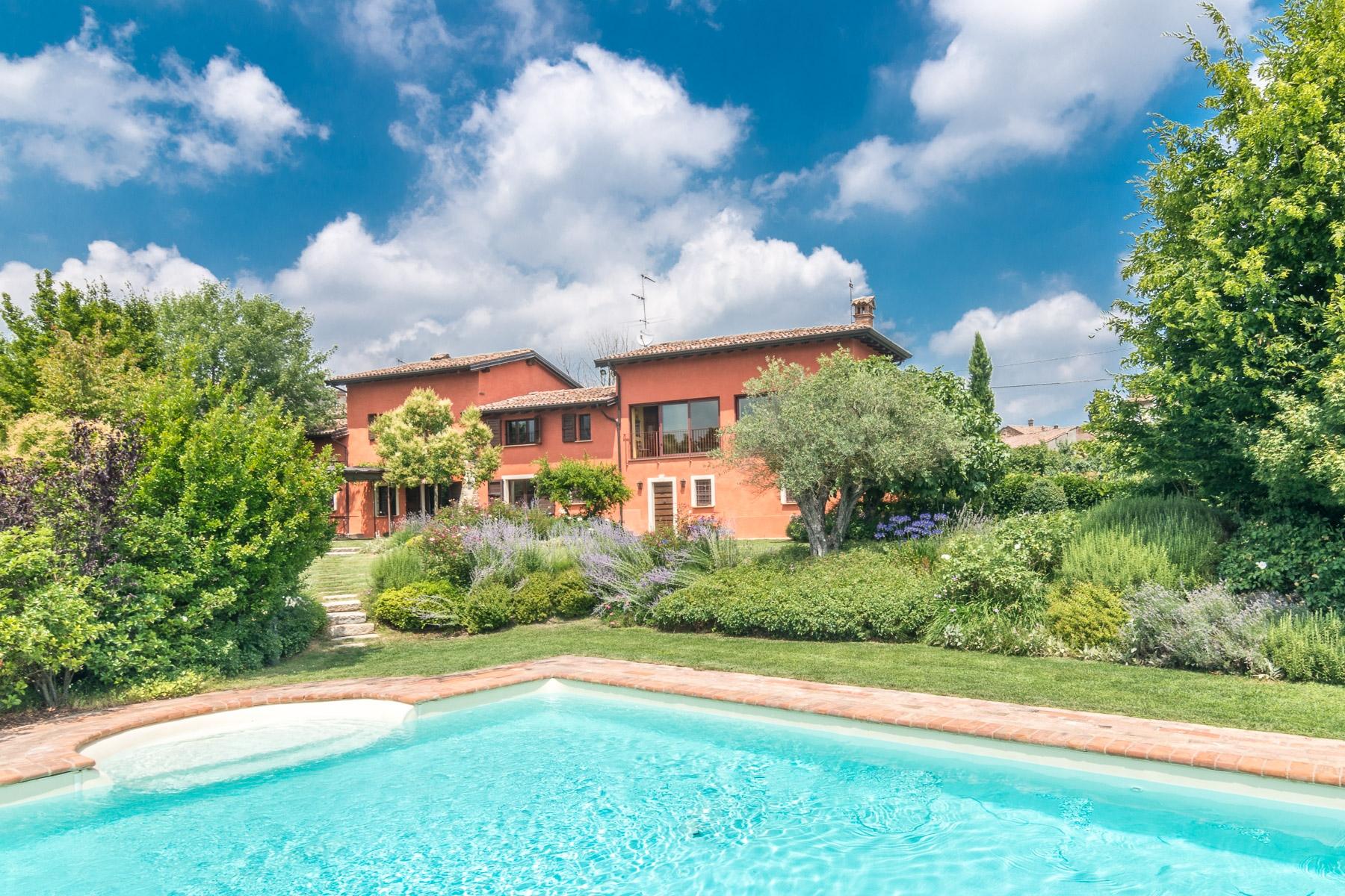 Casa indipendente in Vendita a Ziano Piacentino via montalbo