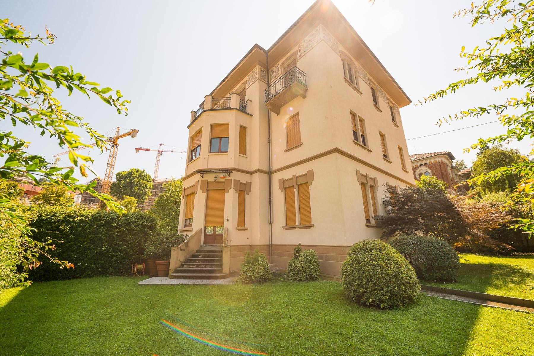 Villa in Vendita a Torino: 5 locali, 650 mq