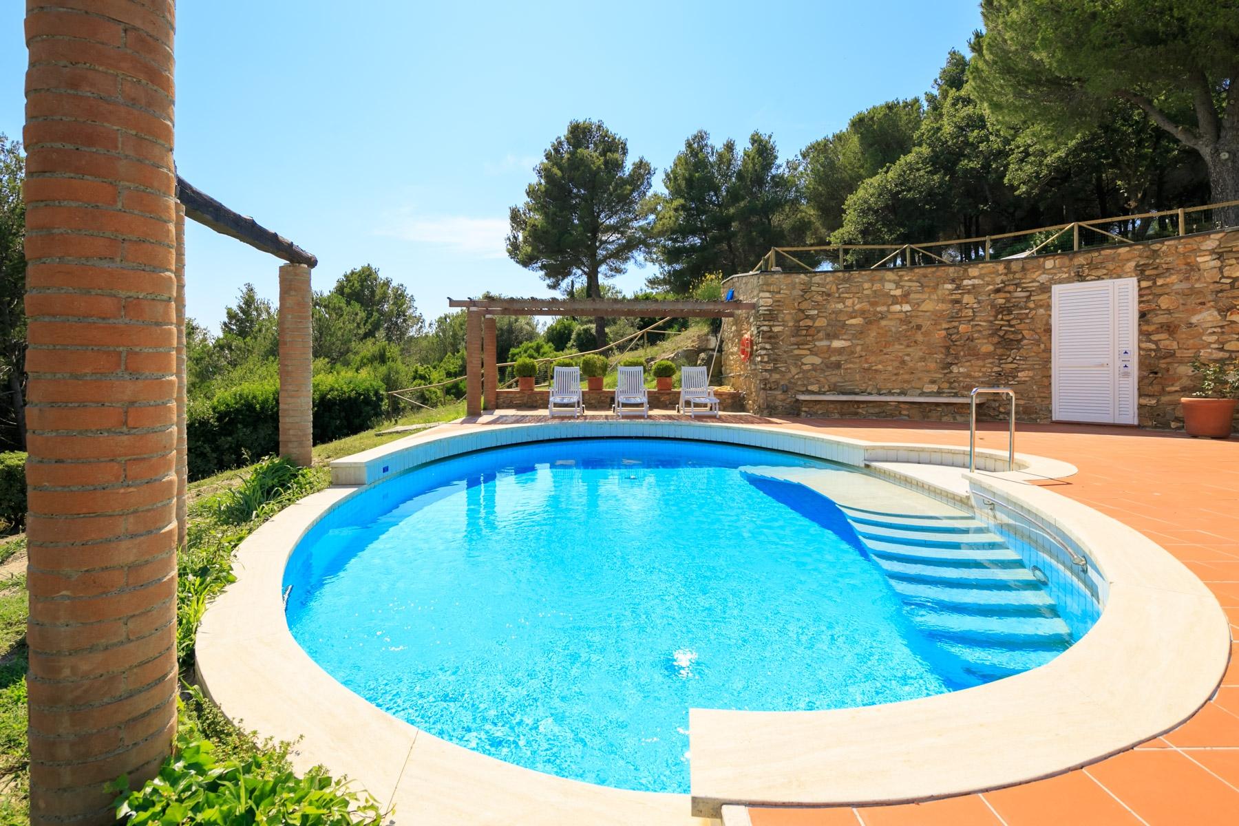 Villa in Vendita a Campiglia Marittima: 5 locali, 1100 mq - Foto 1