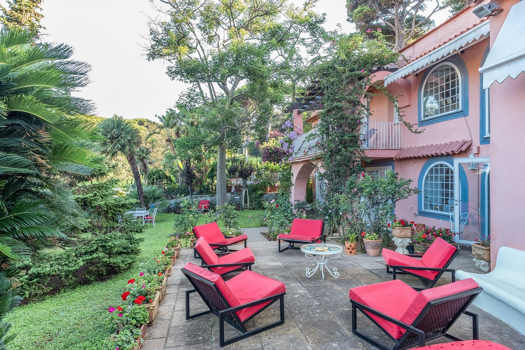 Villa in Vendita a Napoli via marechiaro