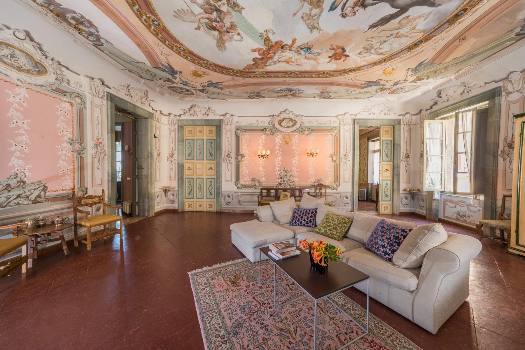 Appartamento in Vendita a Toscolano-Maderno: 5 locali, 550 mq