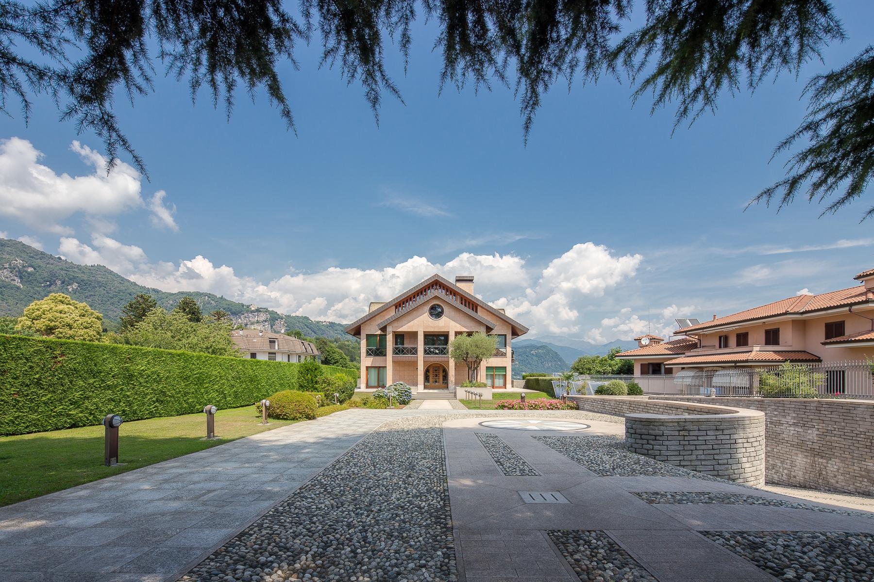 Villa in Vendita a San Maurizio D'Opaglio: 5 locali, 970 mq