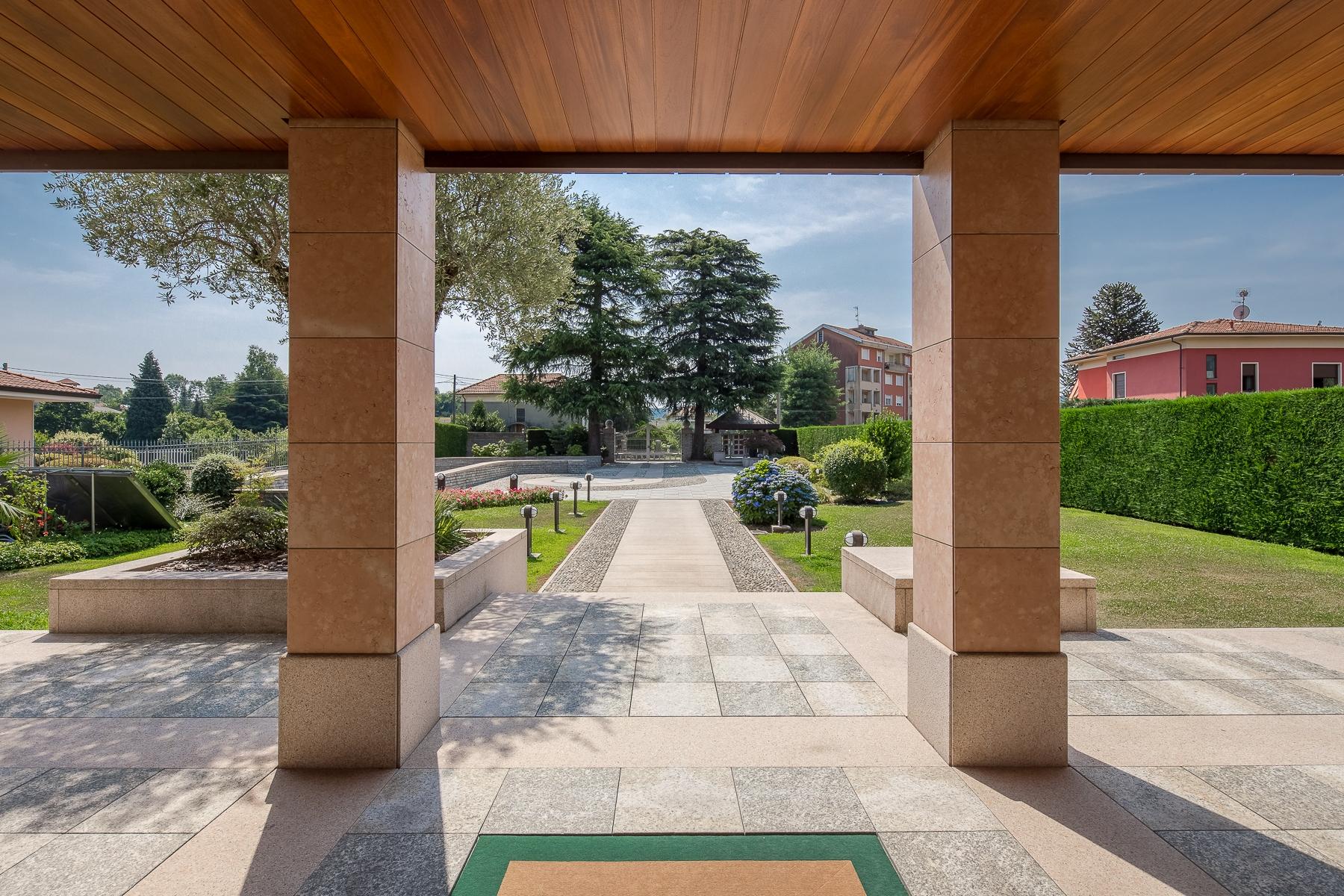 Villa in Vendita a San Maurizio D'Opaglio: 5 locali, 970 mq - Foto 2