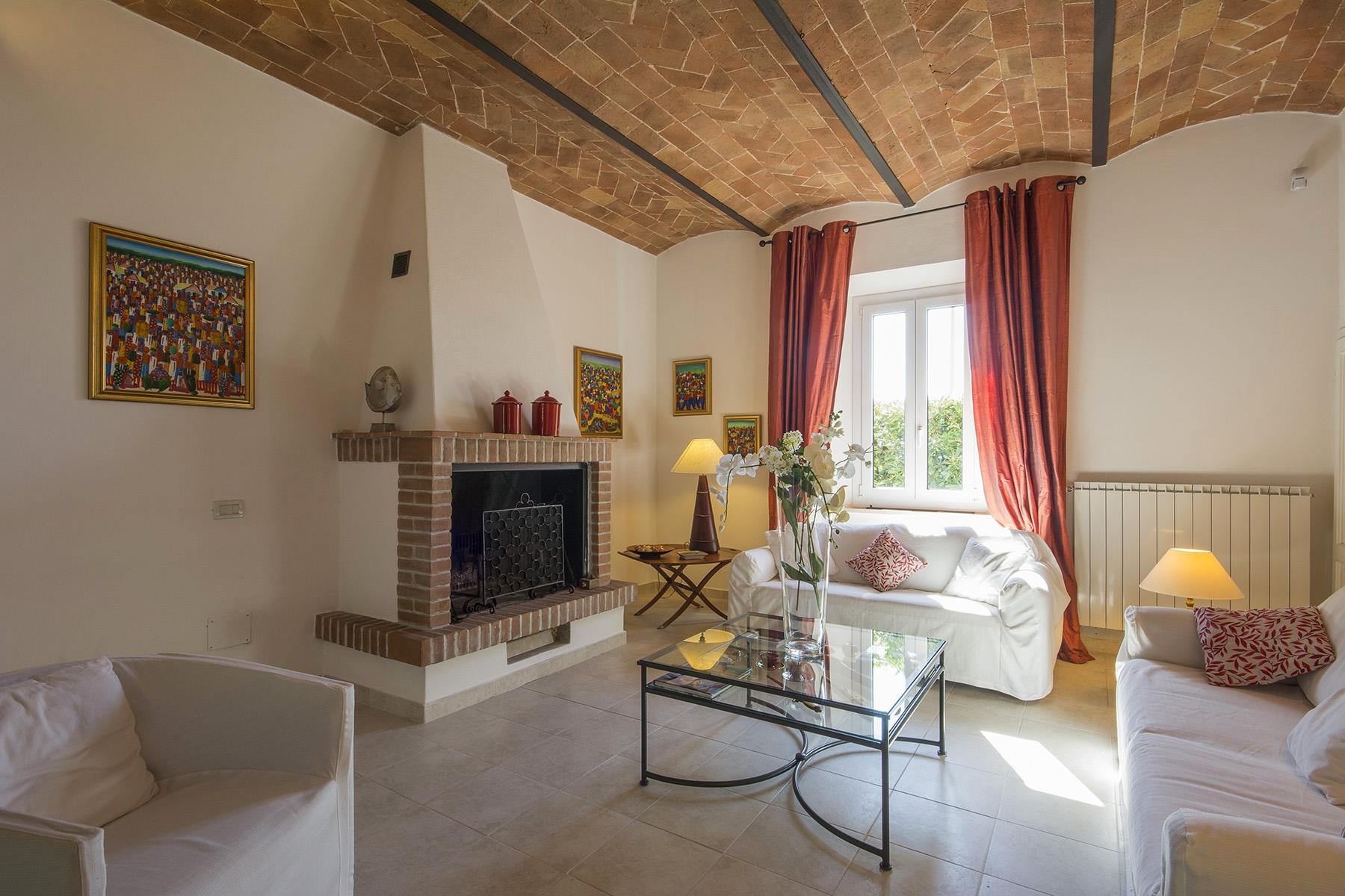 Villa in Vendita a Castellina Marittima: 5 locali, 350 mq