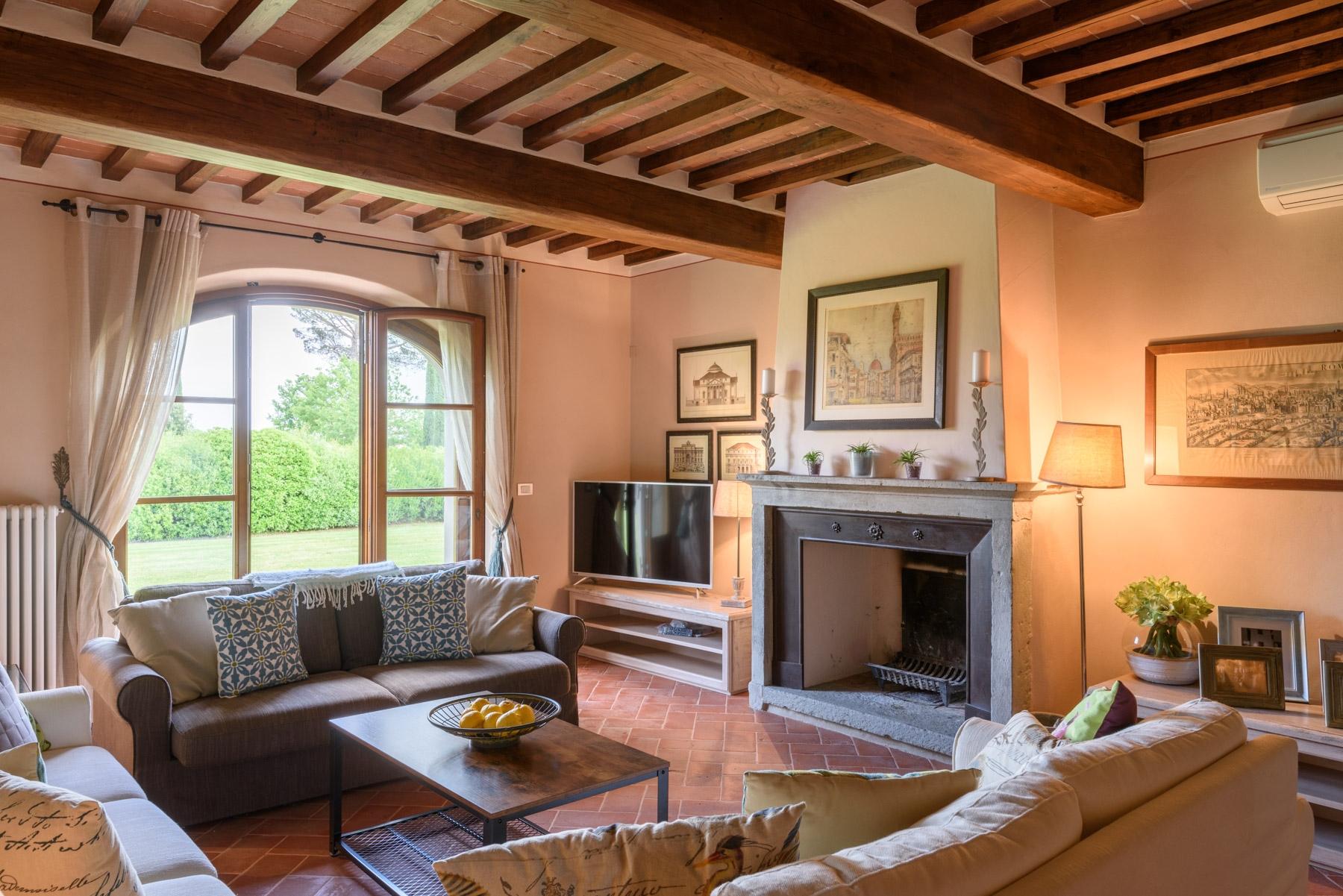 Villa in Vendita a Cortona: 5 locali, 246 mq - Foto 1