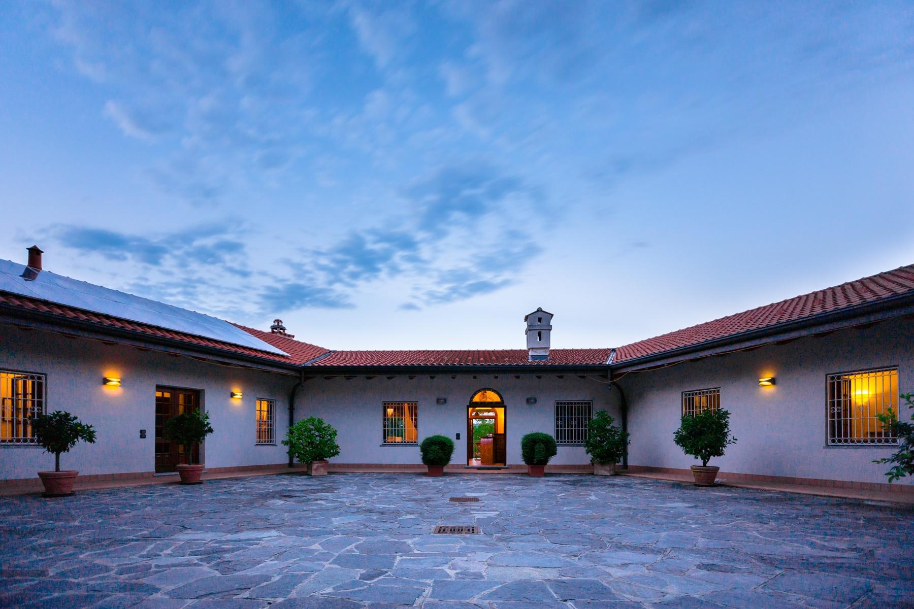 Villa in Vendita a Castelletto Sopra Ticino: 5 locali, 400 mq
