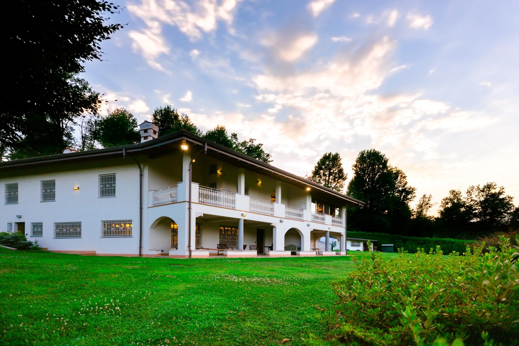 Villa in Vendita a Castelletto Sopra Ticino: 5 locali, 400 mq - Foto 2