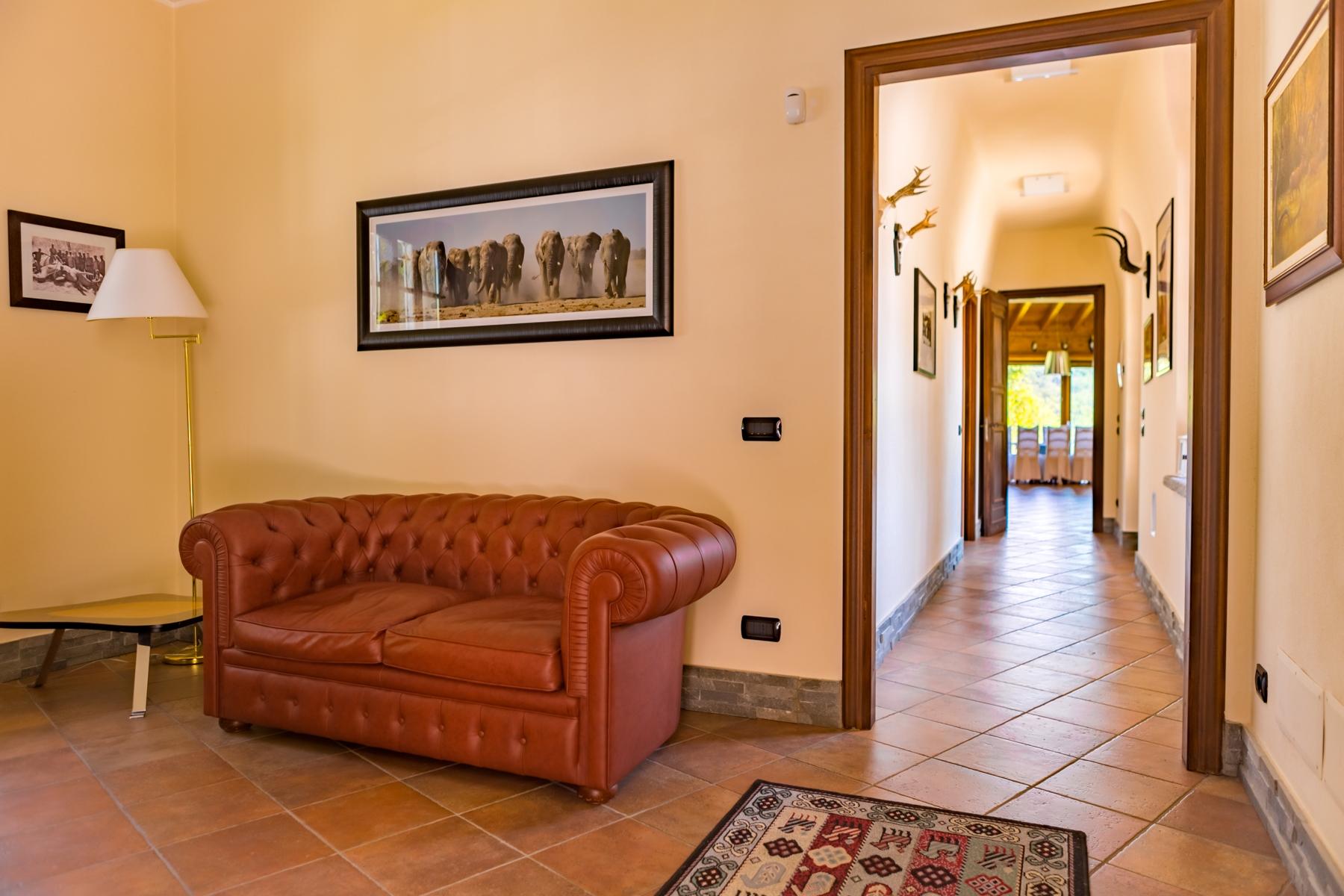 Villa in Vendita a Castelletto Sopra Ticino: 5 locali, 400 mq - Foto 5