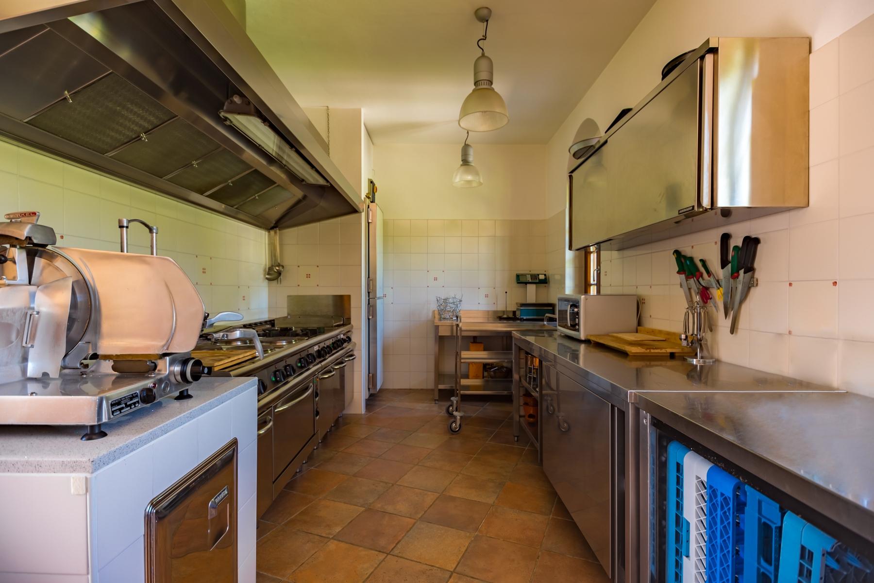 Villa in Vendita a Castelletto Sopra Ticino: 5 locali, 400 mq - Foto 17